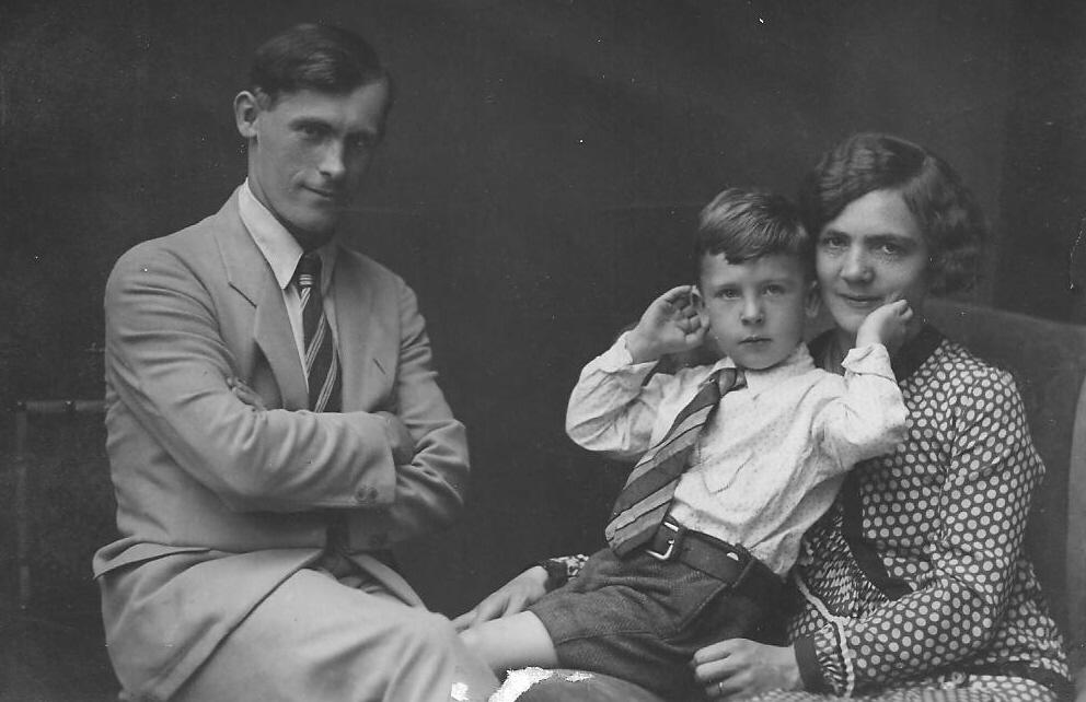 1931 grandma grandpa and dad.JPG