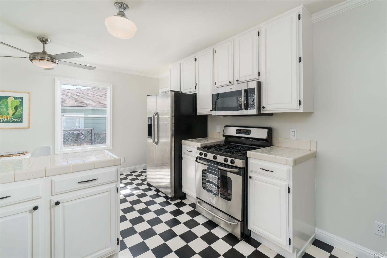 158 Alpine kitchen.jpg