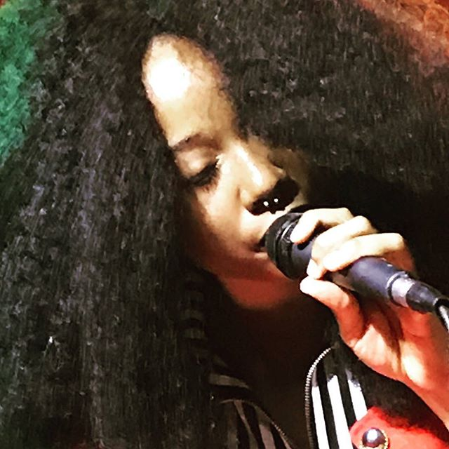 Our chantuese Chandanie rocking the mic at Pianos. Special thanks to Melissa Reburiano for the shot! @imchandanie @pianosnyc @melissarebstar @flyerlearningBK #singer #soul #mic #dathairdoe