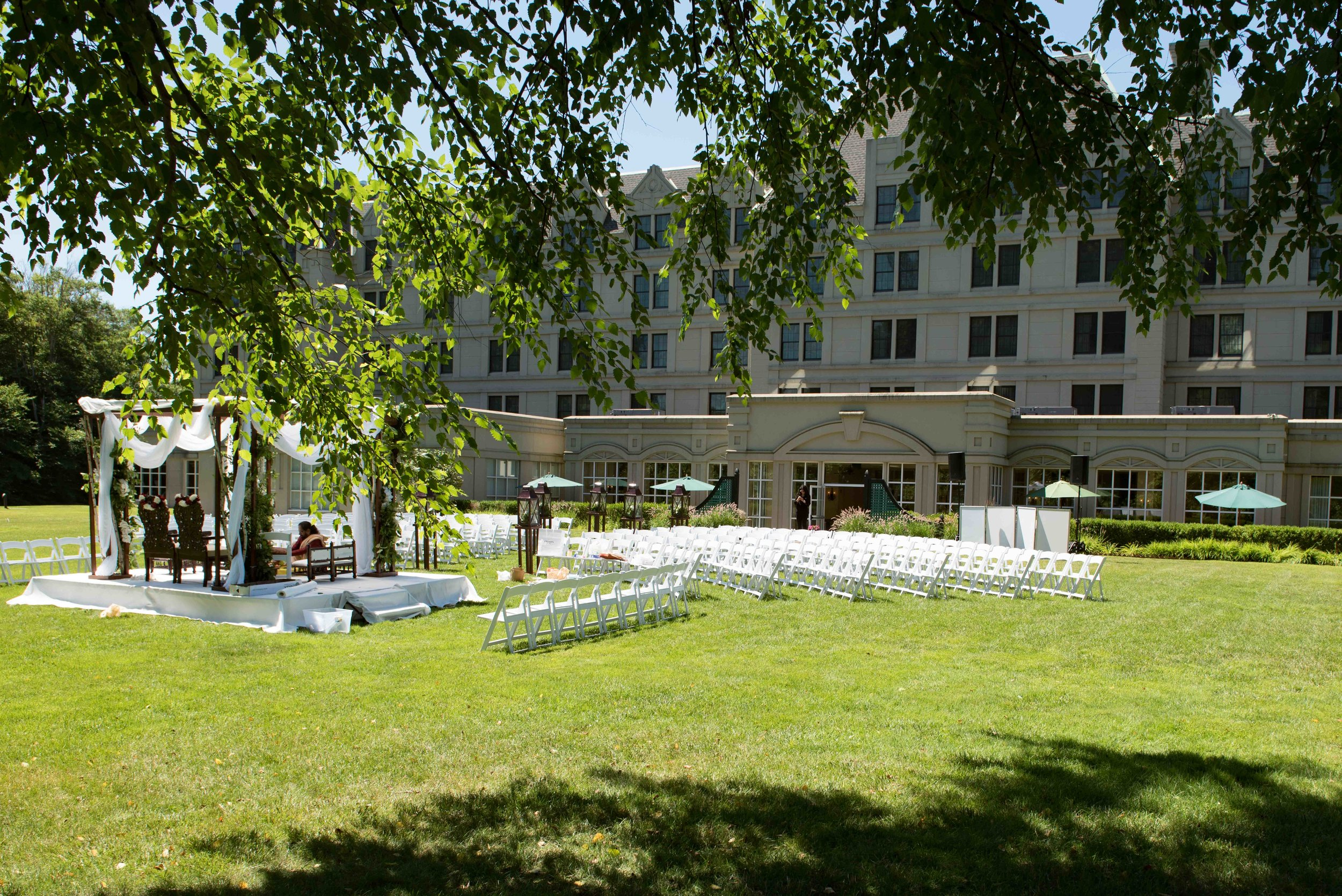 Wedding Photography at The Hilton Pearl River New Jersey. Photo by Jason Giordano Wedding and Event Photographer.