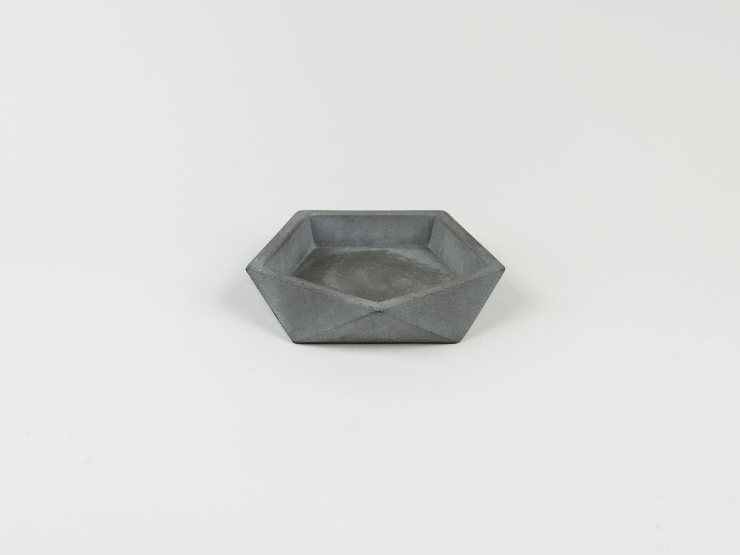 Flat-Charcoal-colored-geometric-dish-for-jewelry,-keys-and-other-personal-belongings.jpg