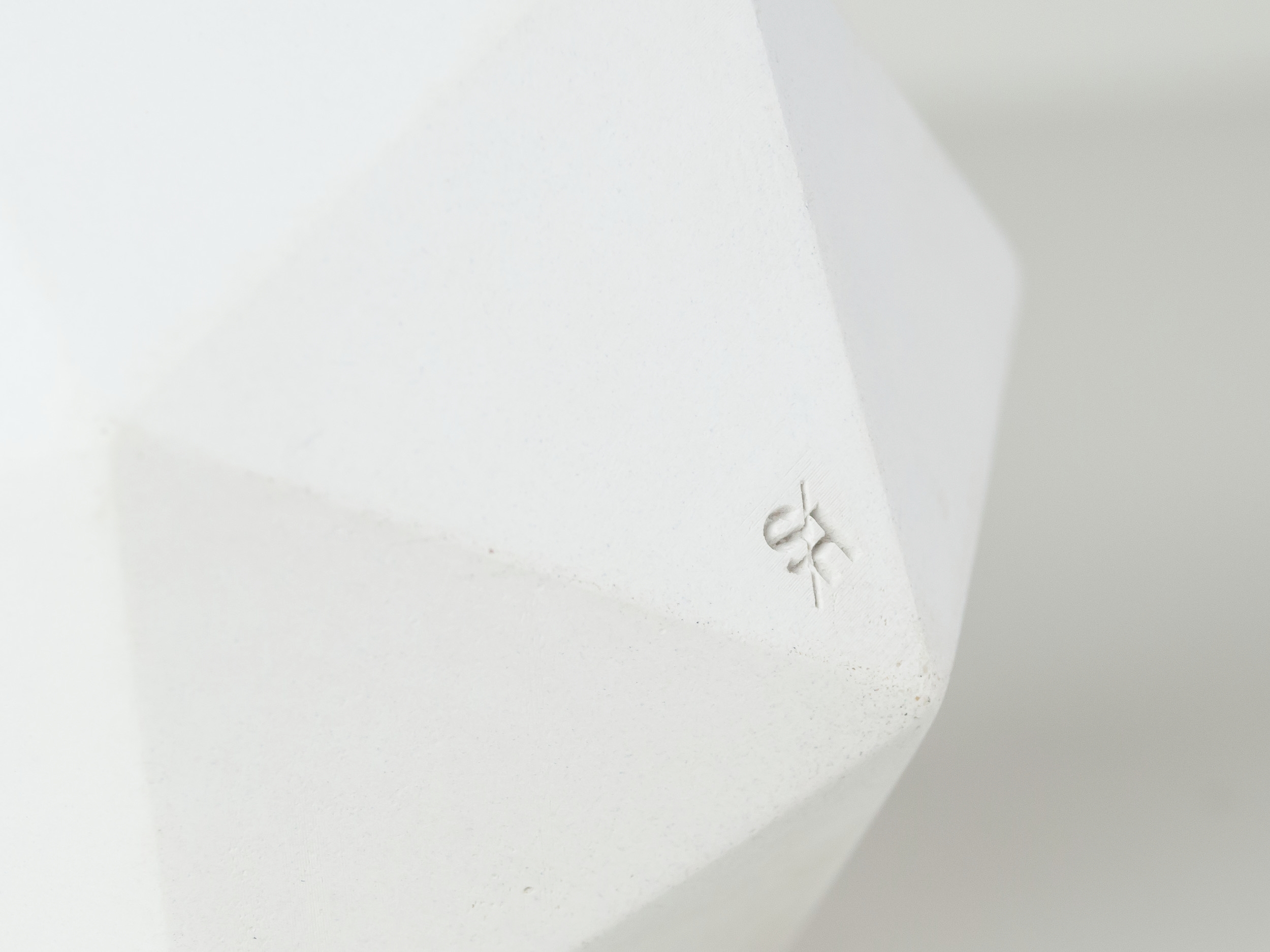 Detail image of White geometric concrete succulent planter by The Savvy heart