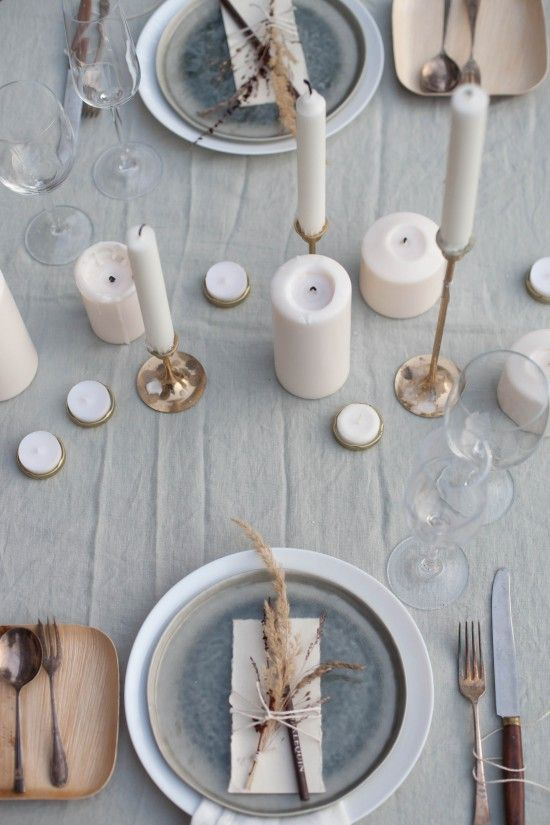 Neutral and simple table setting ideas for thanksgiving dinner.jpg