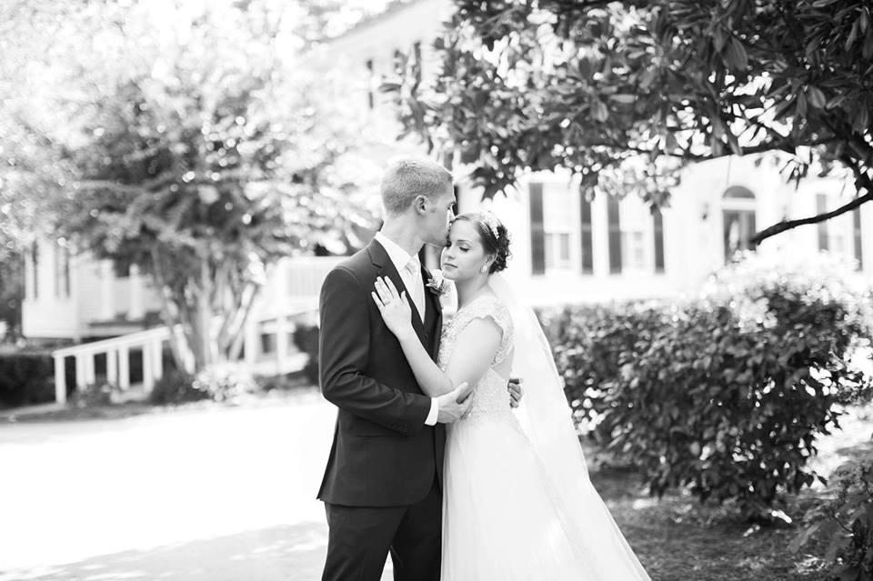 sweet kiss at the Grand magnolia house.jpg
