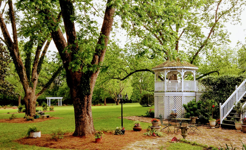 wedding venue at the grand magnolia house.jpg