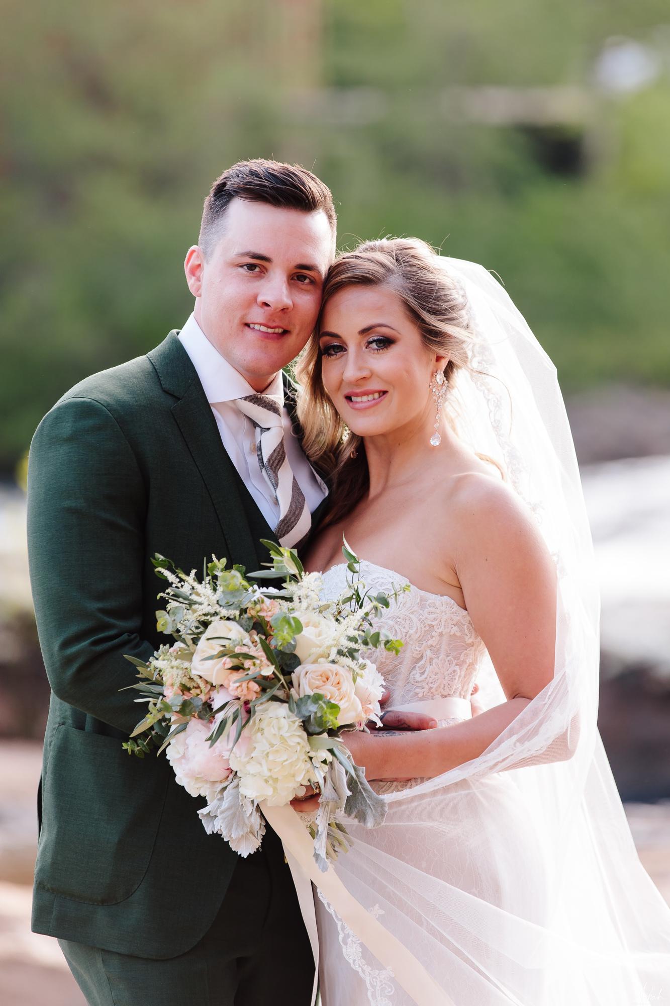 bride&groom161.jpg