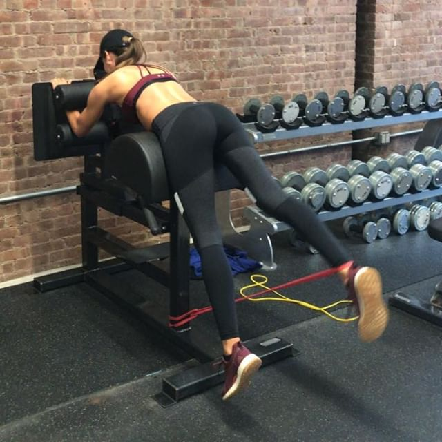 Try these 4 movements next time you're at the gym and let me know what you think. 🏋🏽‍♀️ @nick.newbody  #exercise #exercises #gym #workout #workoutroutine #workoutmotivation #exerciseroutine #workoutoftheday #buttworkouts #absworkout