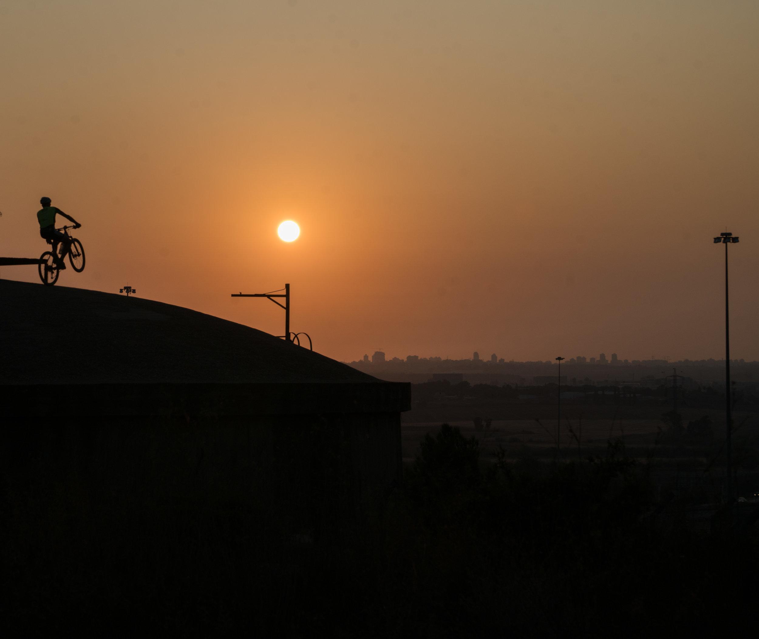 Biken_Sonnenuntergang.jpg