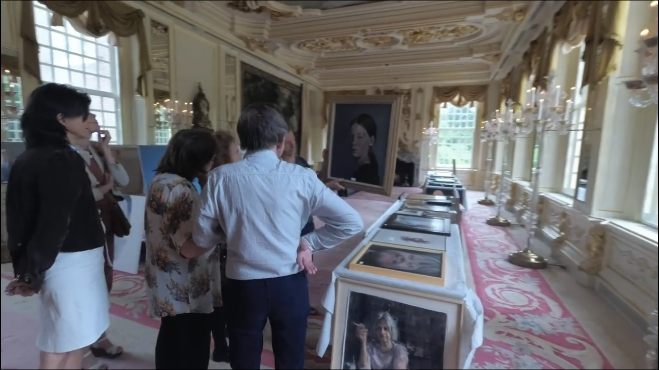 Here's  a video of the selection day at Slot Zeist for nominations for the Dutch Portrait Prize.