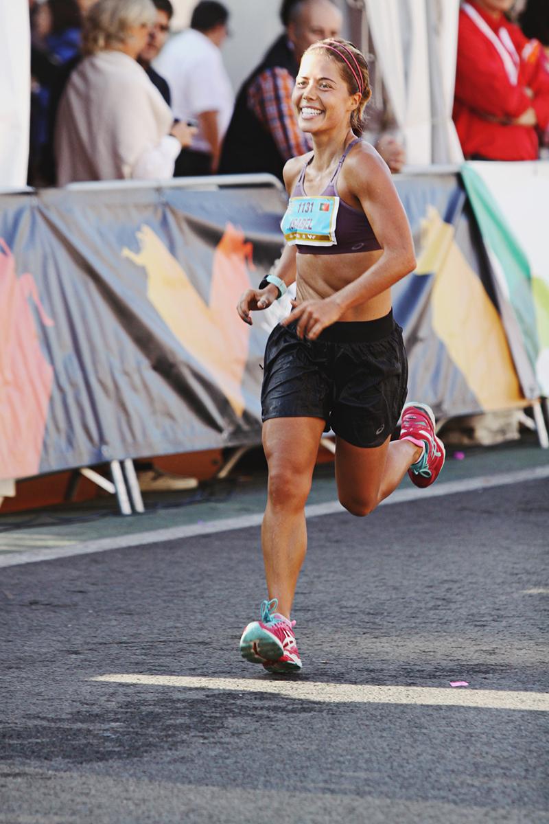 Isabel Silva a correr na meia maratona de Valência