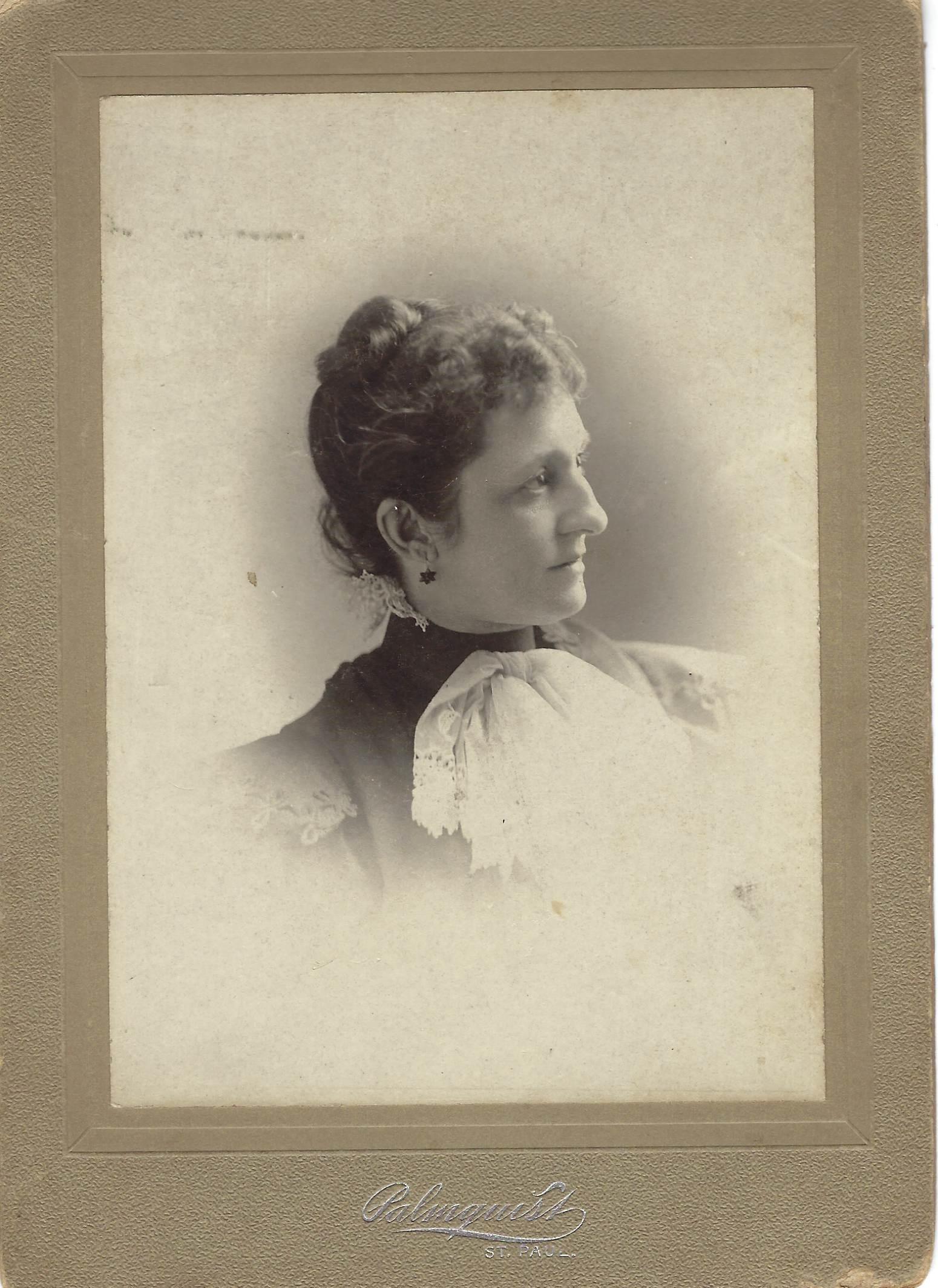 Elizabeth Kahlert-Macklett