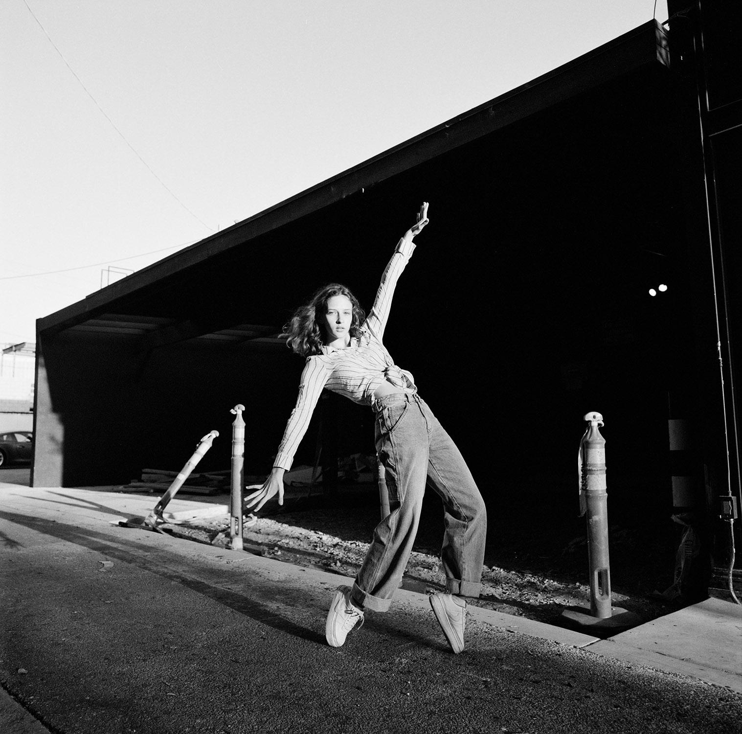 2019-Vika-Stephanie-Noritz-06.jpg