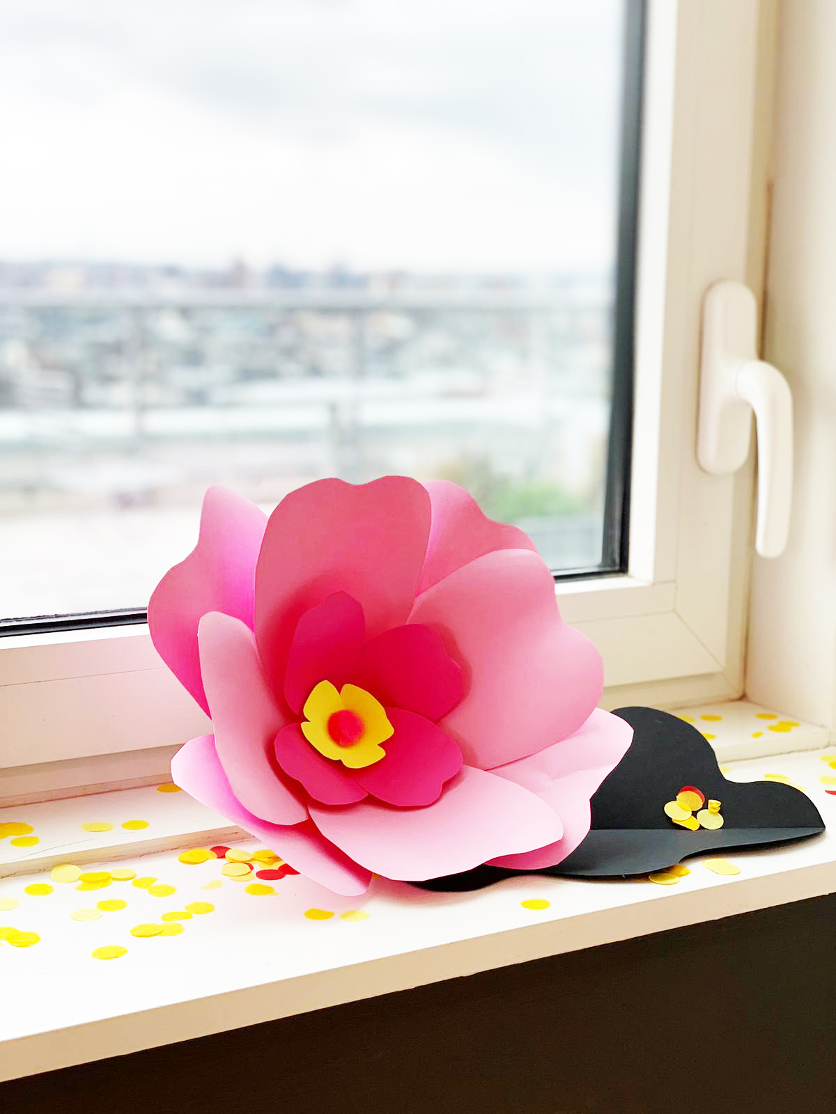 No need to hang up on a wall, the flowers sit pretty just about anywhere!
