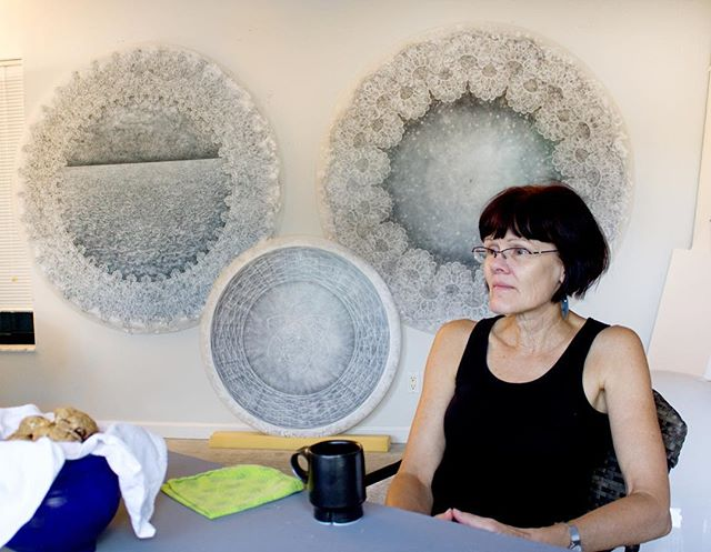 Artist interview with Carol Prusa is now live! Go read it at our website! This picture is from a lovely studio visit we had with her. #carolprusa #artandscience