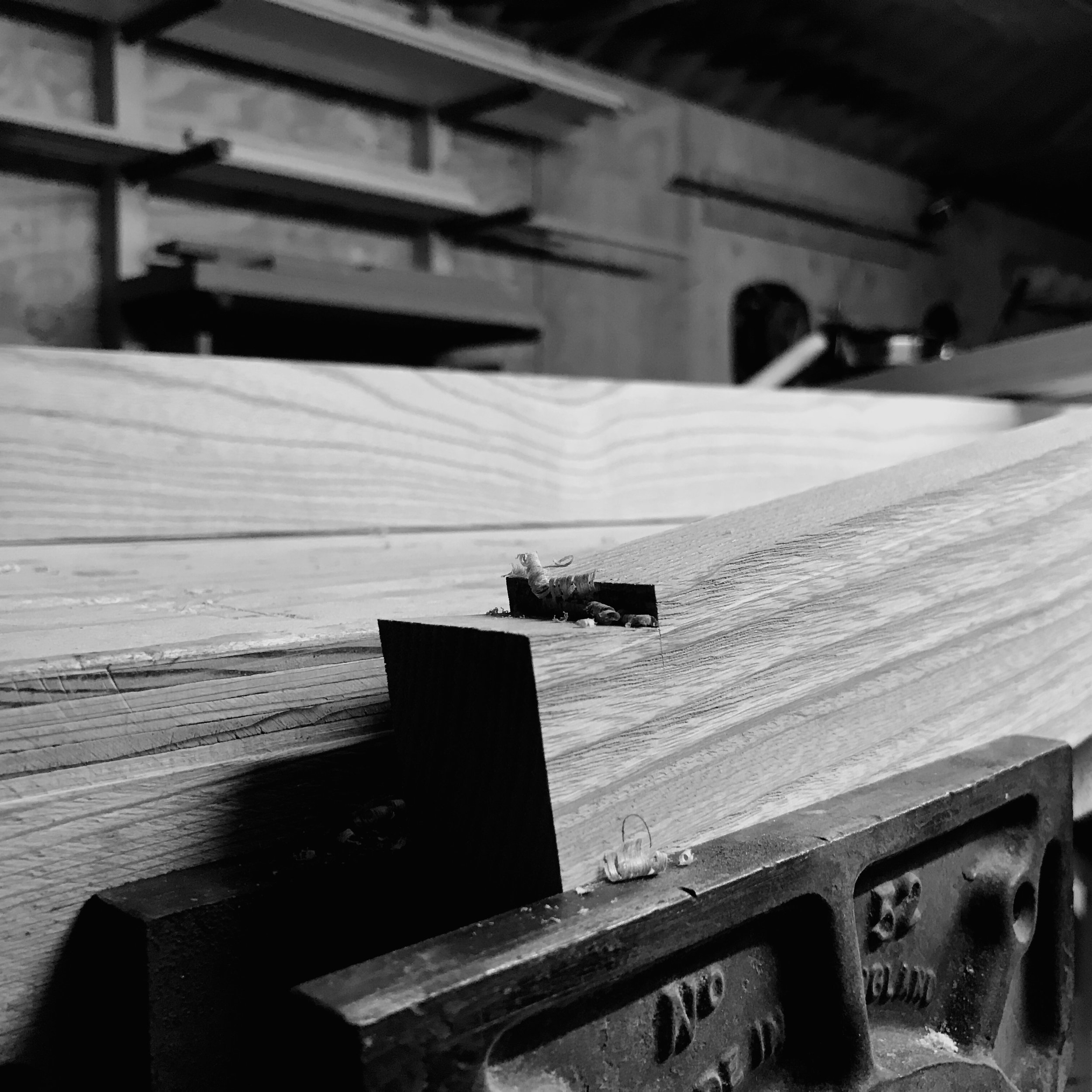 Large dovetail joint for a bespoke dining table