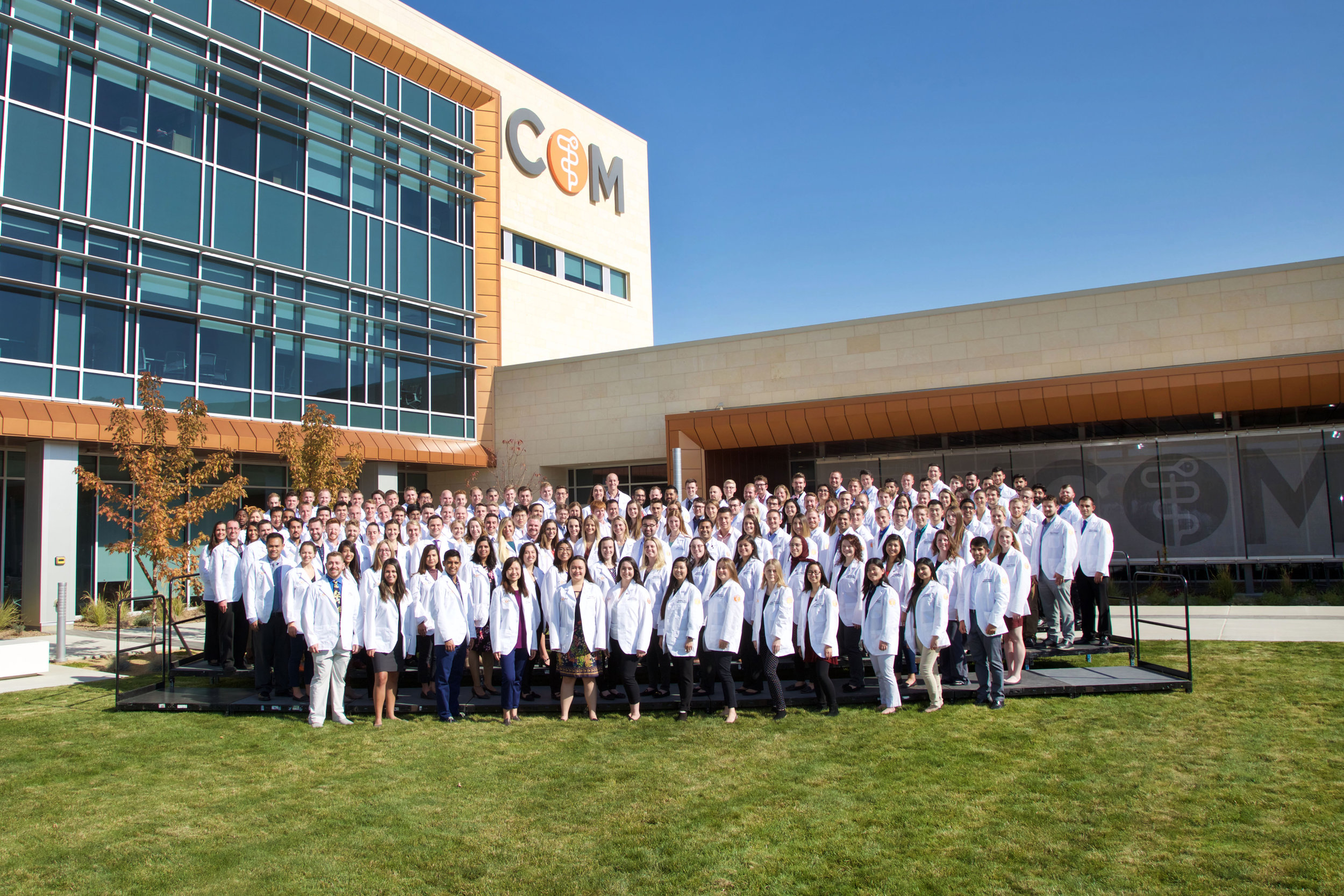 ICOM(white-coat-class)(2018)_IMG_1440_Leap-Photography.jpg