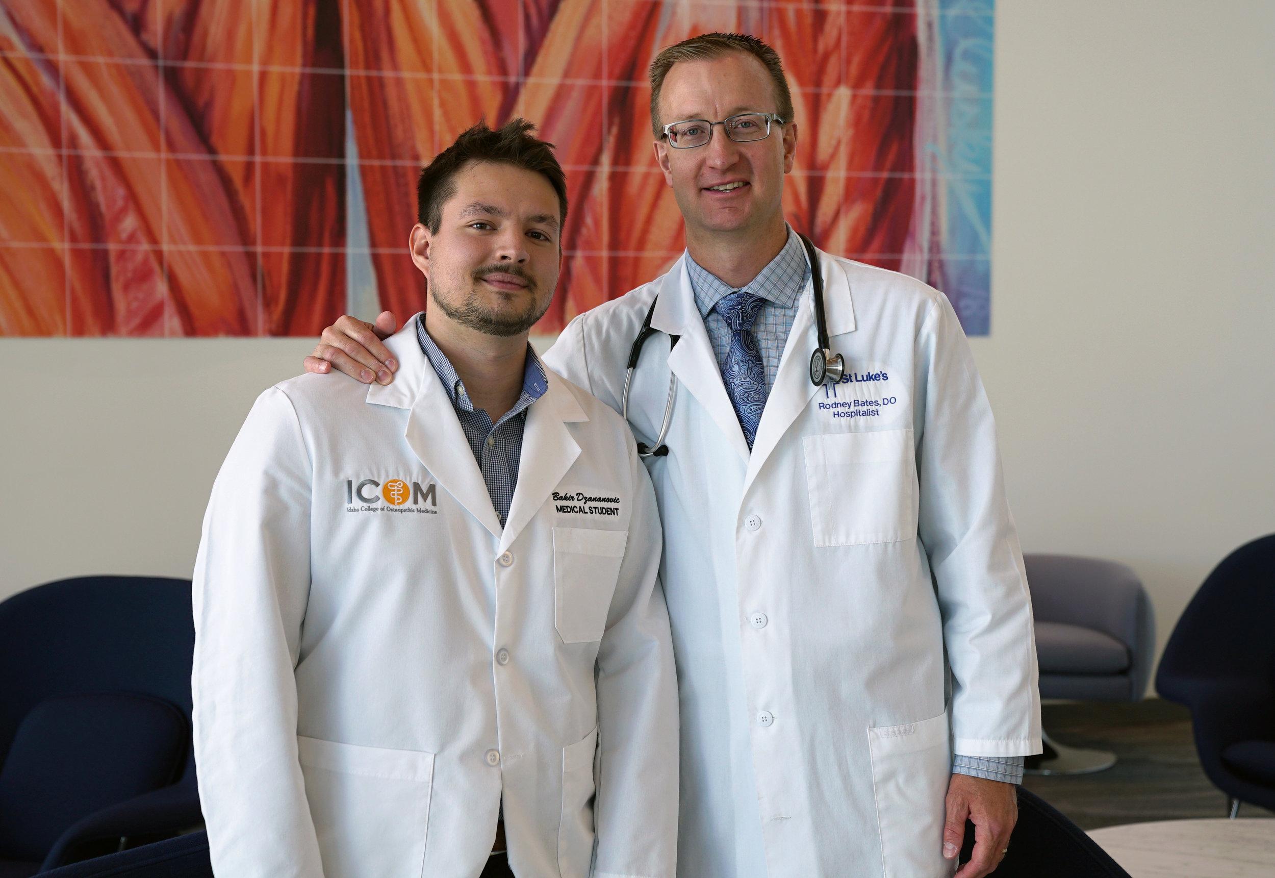 (L-R) Student Doctor Bakir Dzananovic and Dr. Rodney Bates.