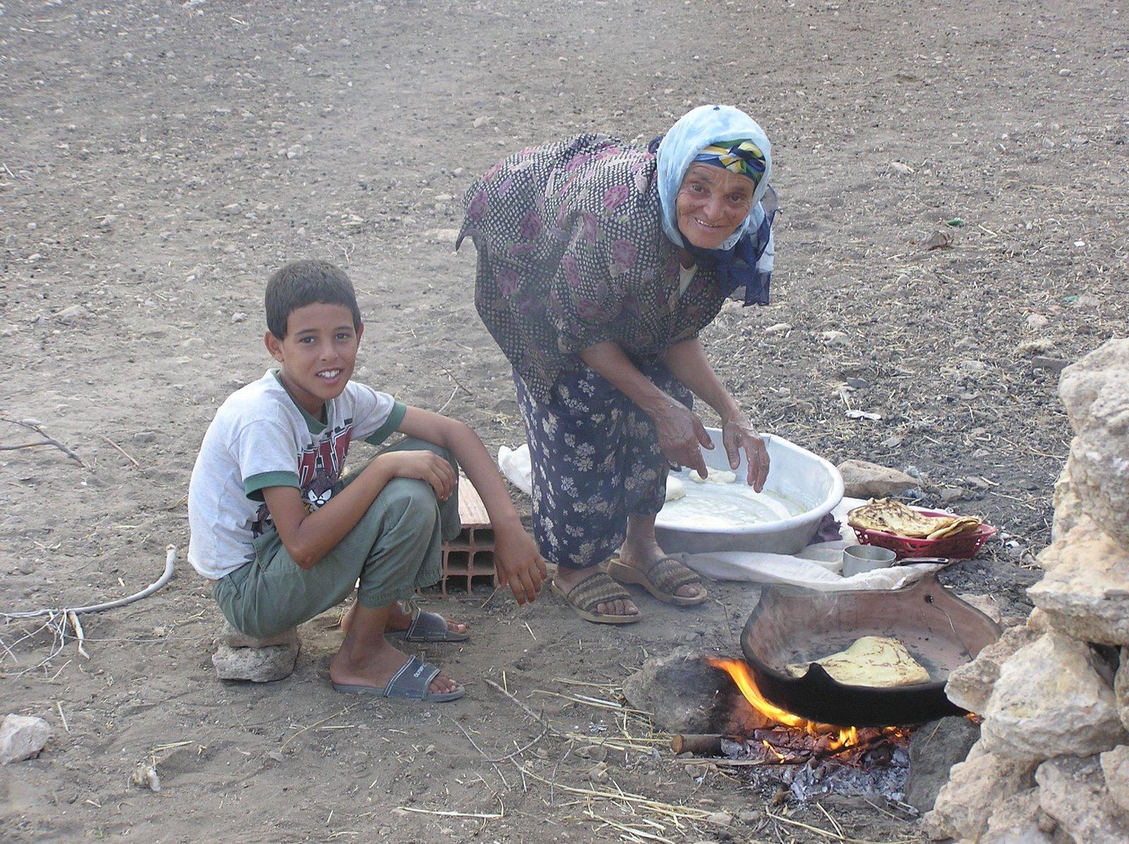 Dada (Allah yerhamha) making rougag old-school style