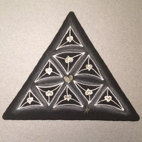 Valentangle Day 6 - Heart Fragment - 3Z Black Tile