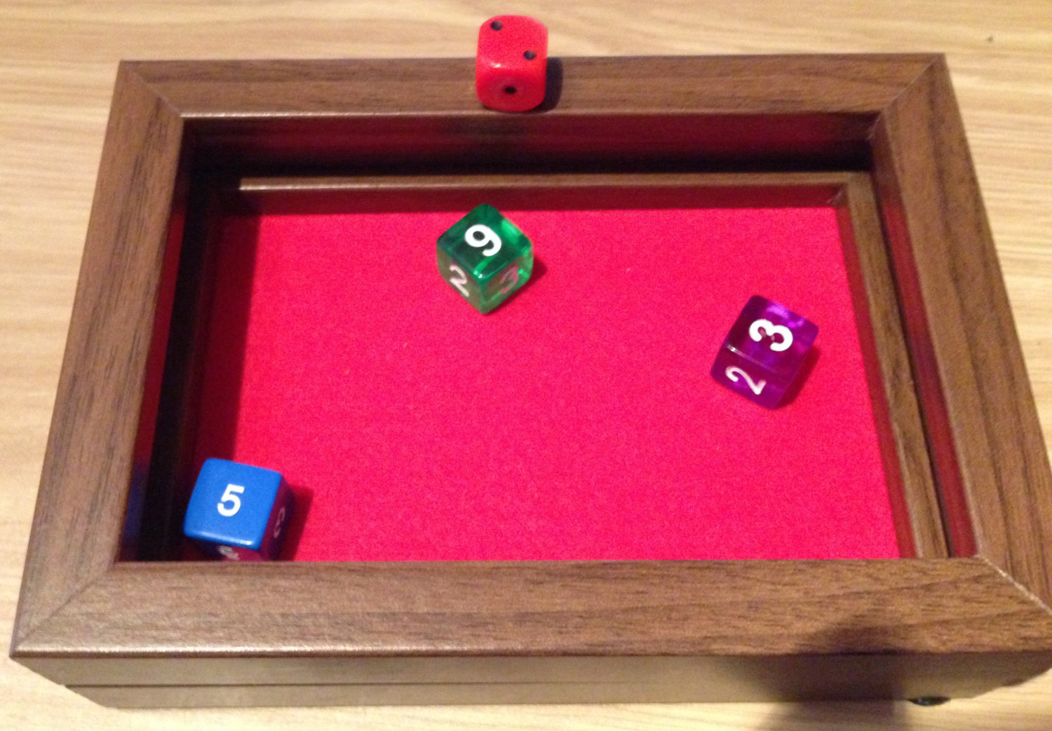 boardgame-dice-box-01-15-002.jpg