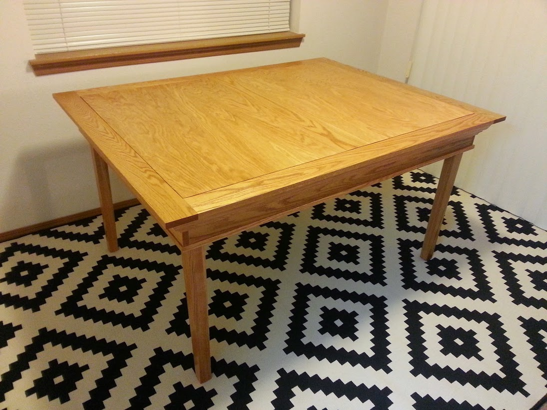 A_Brown_red_oak_gaming_table_012.jpg