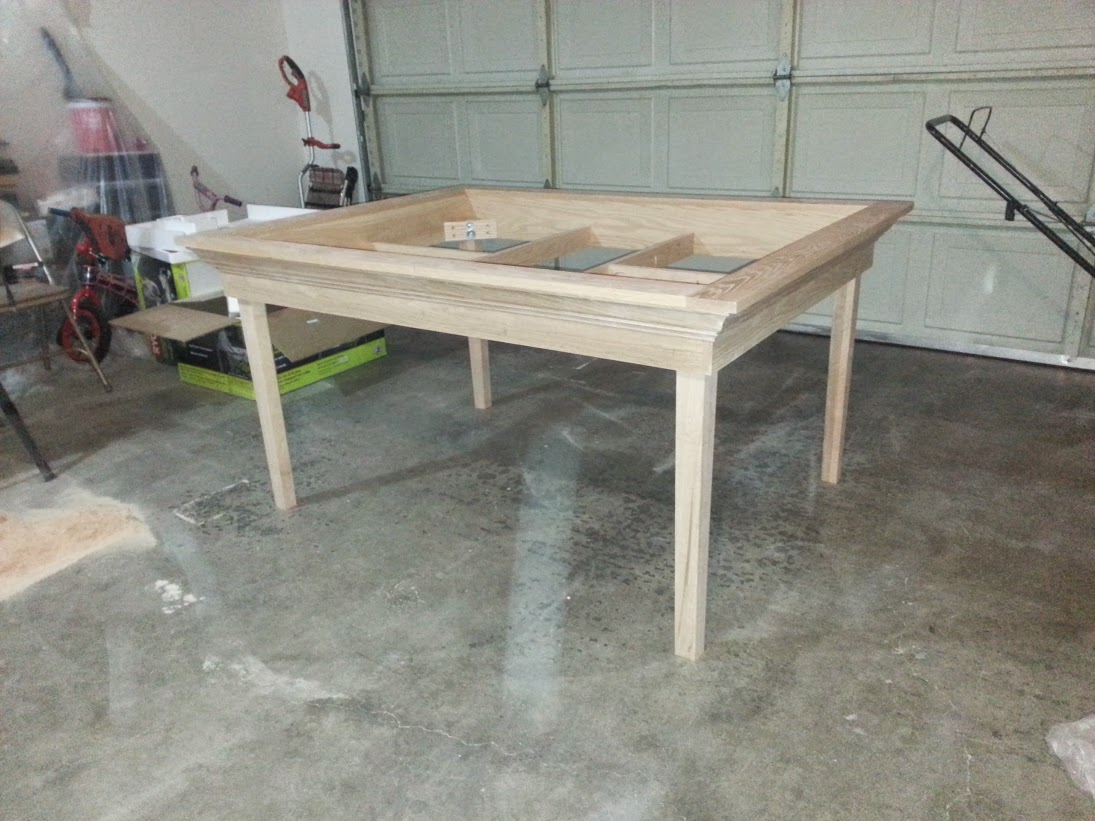 A_Brown_red_oak_gaming_table_008.jpg