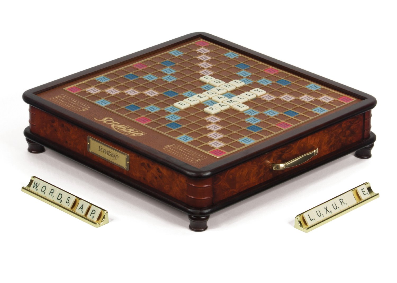 Scrabble_luxury_rotating_001.jpg
