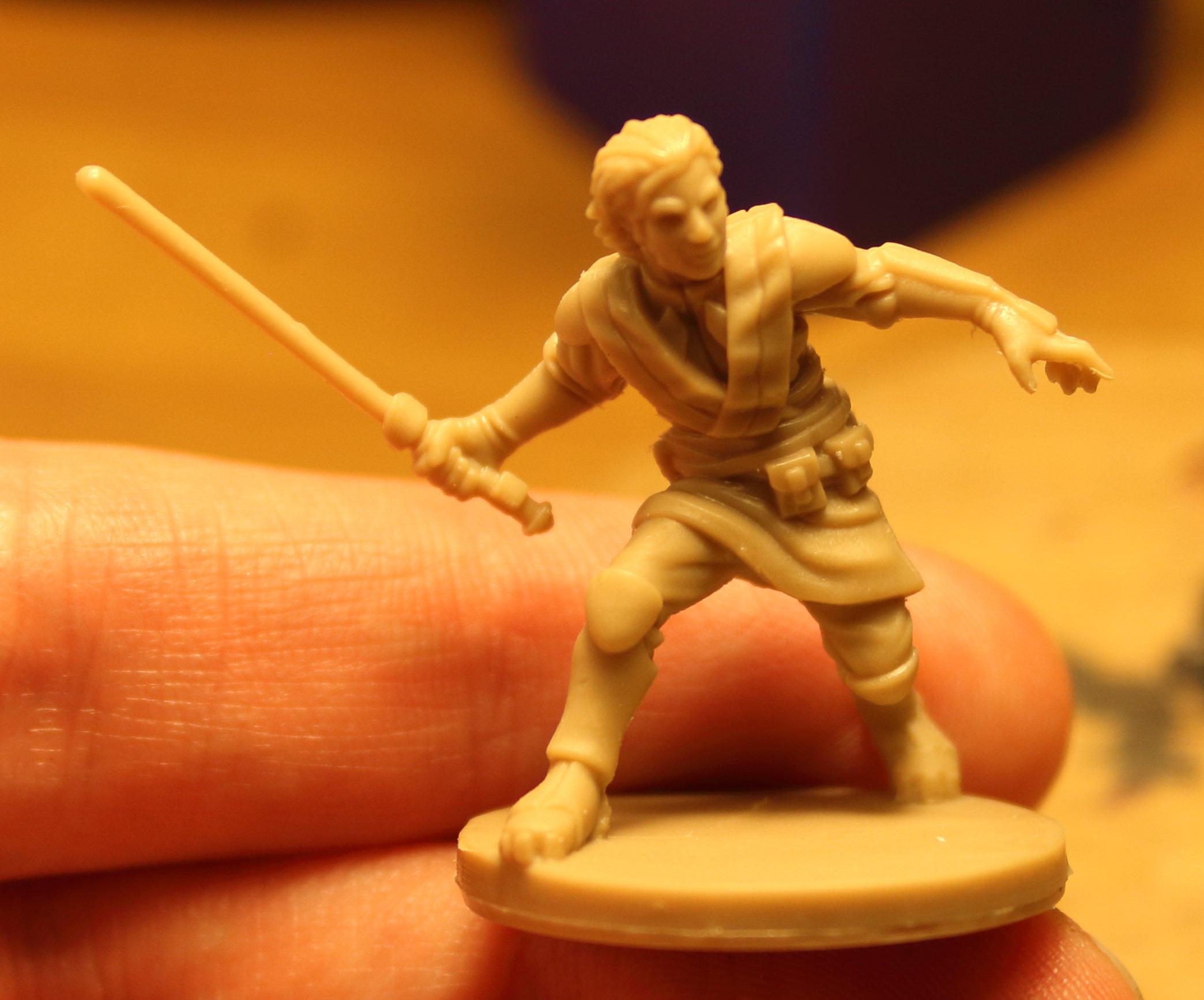 Imperial_Assault_Board_Game_LED_lightsaber_miniature_01.jpg