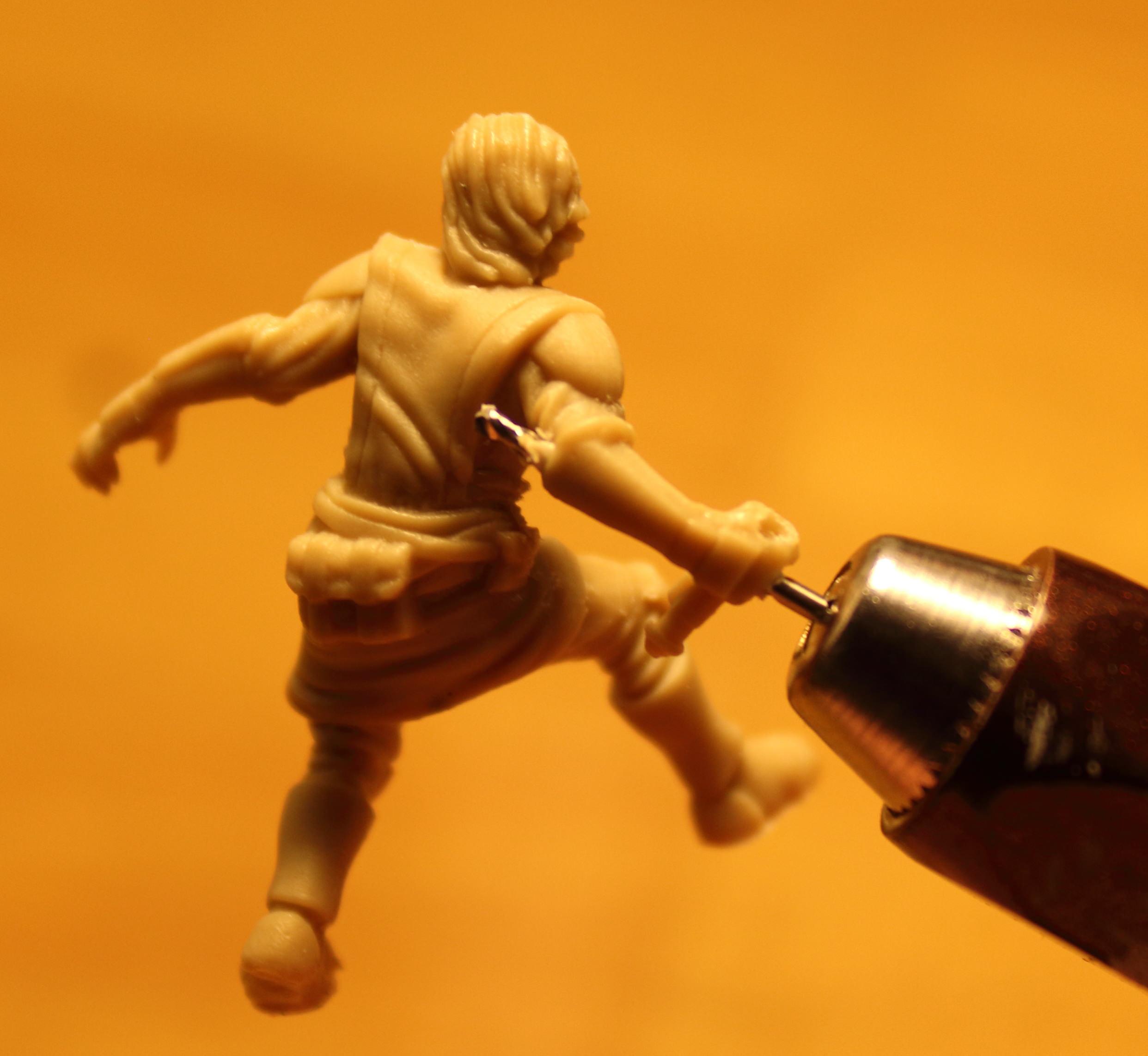 Imperial_Assault_Board_Game_LED_lightsaber_miniature_05.jpg