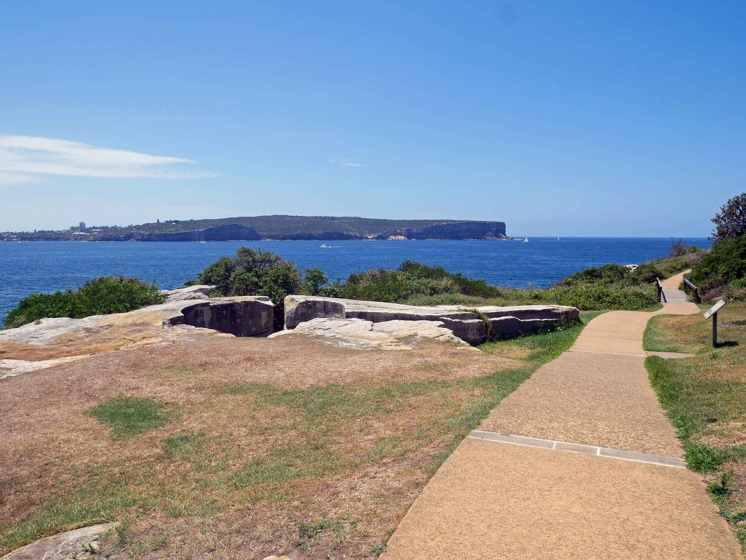 A quick, easy walk at Watsons Bay reveals the mouth of the Harbour (Feb 4).