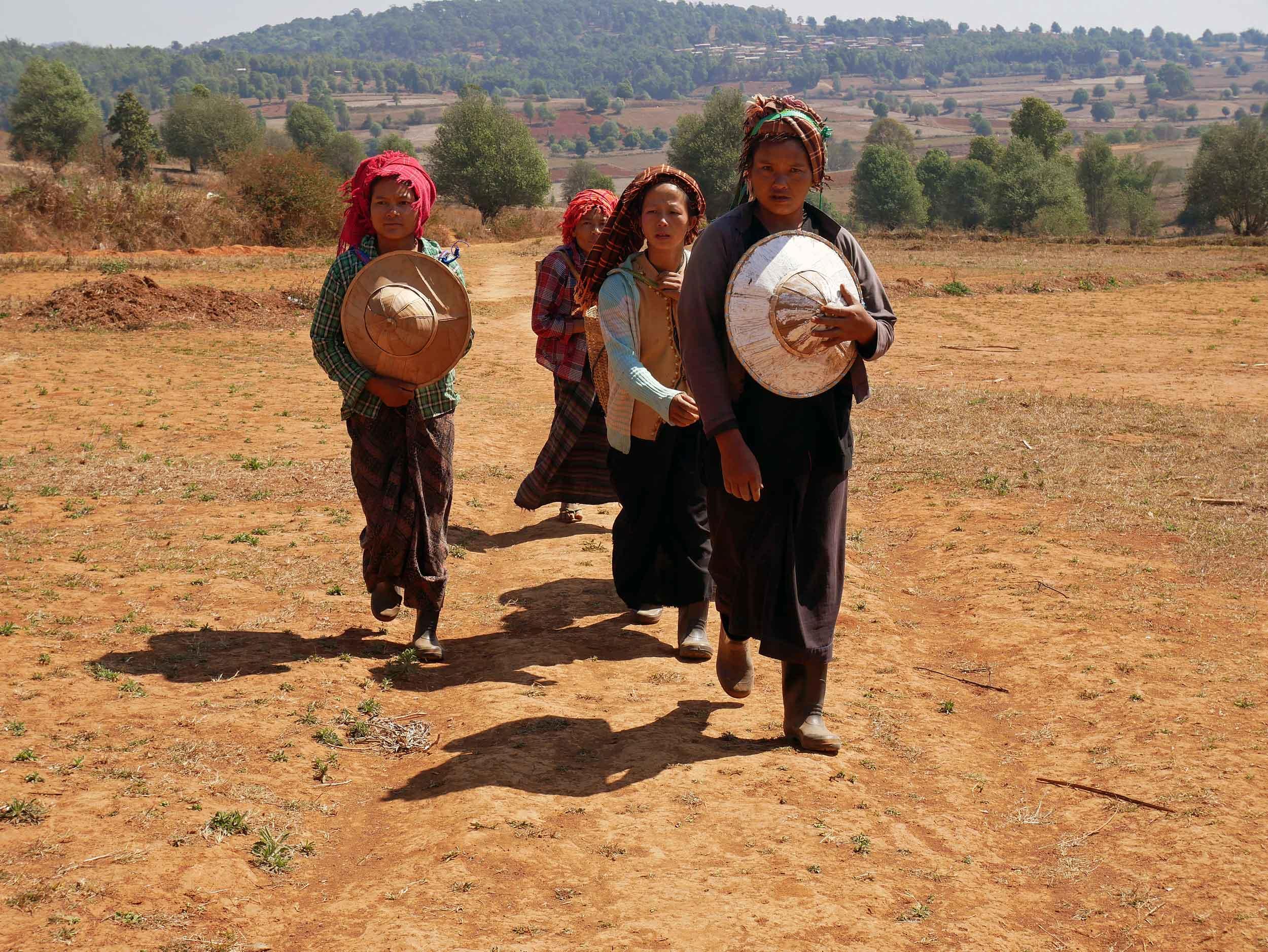 Women returning from the field work (Feb 20).