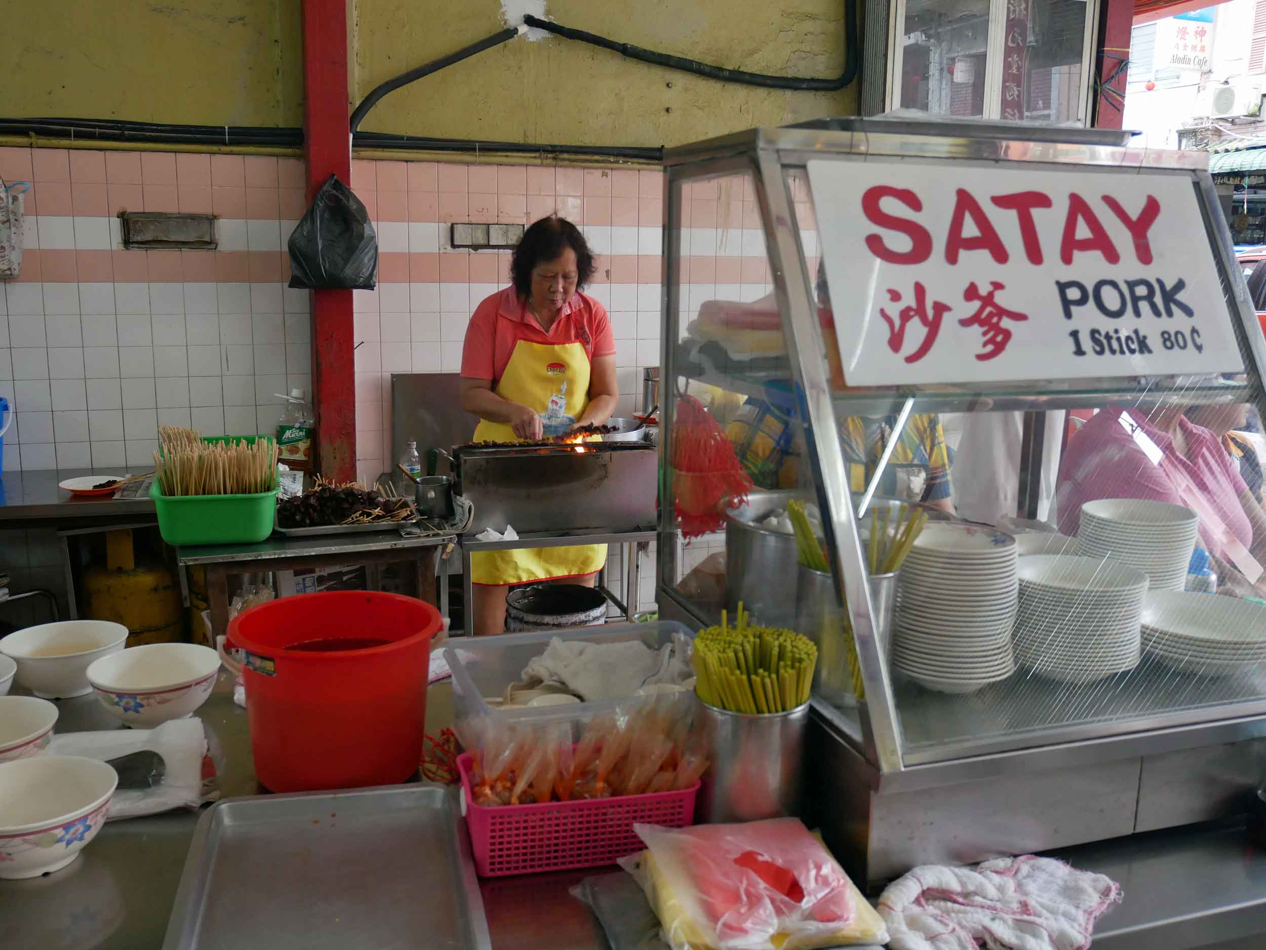 We found more great Malaysian street food in Kuching, including the Yan Chun Tai food court (May 2).