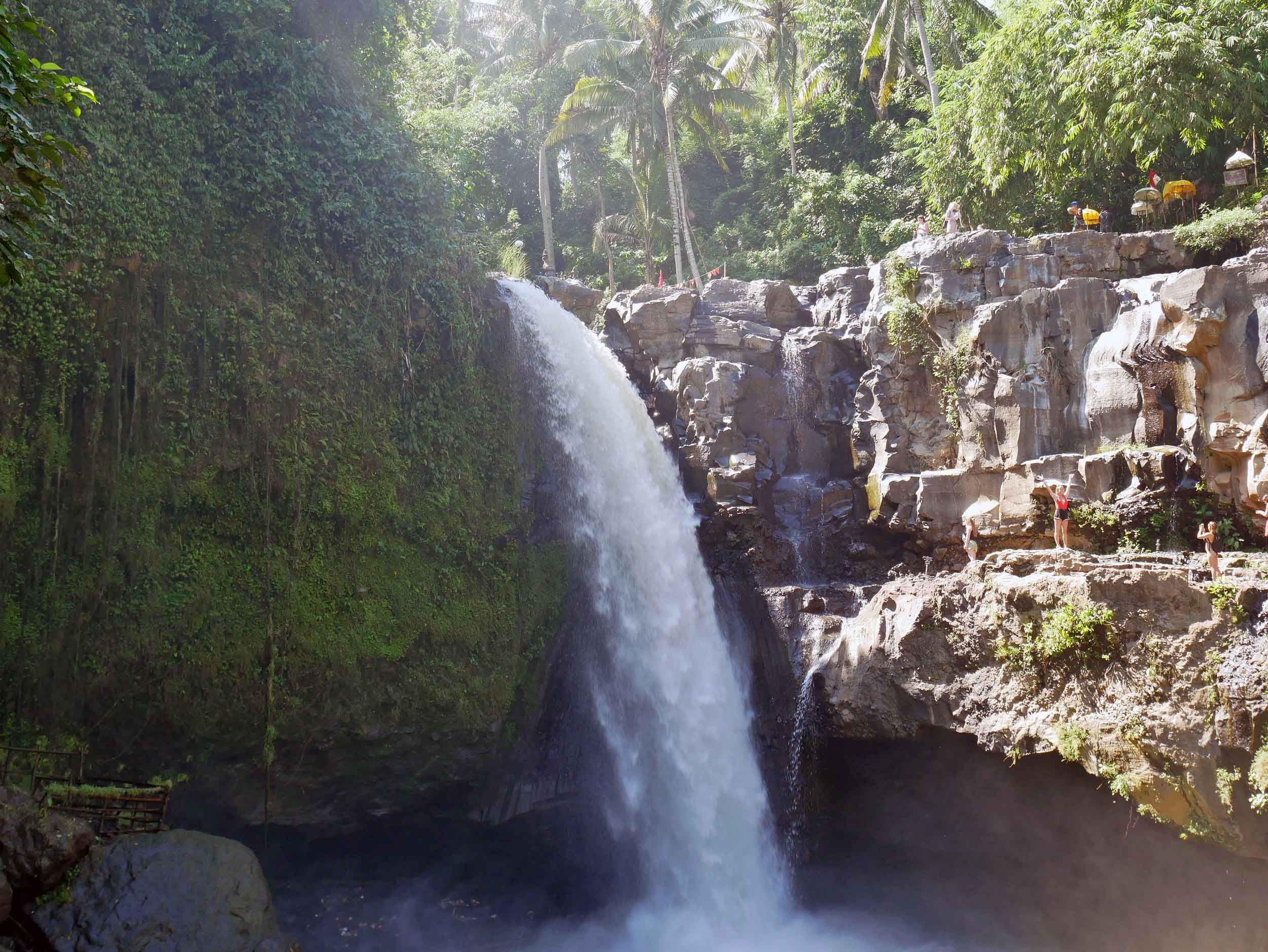 We spent one of our days in Ubud as tourists with our first stop to visit the surging Tegenungan Waterfall (May 30).
