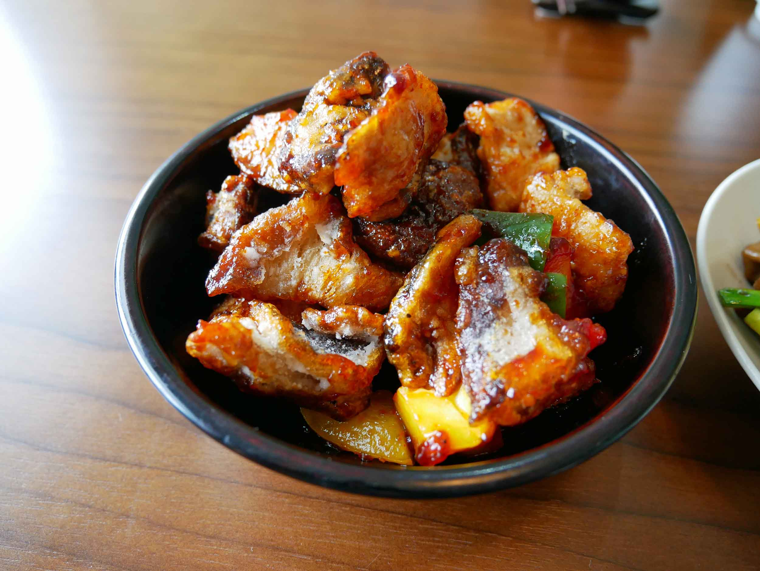 One of our favorites was the  dammi , or hot preparation, of deep fried mushrooms caramelized with special Gochujang sauce, topped with temple recipe vege-chips.