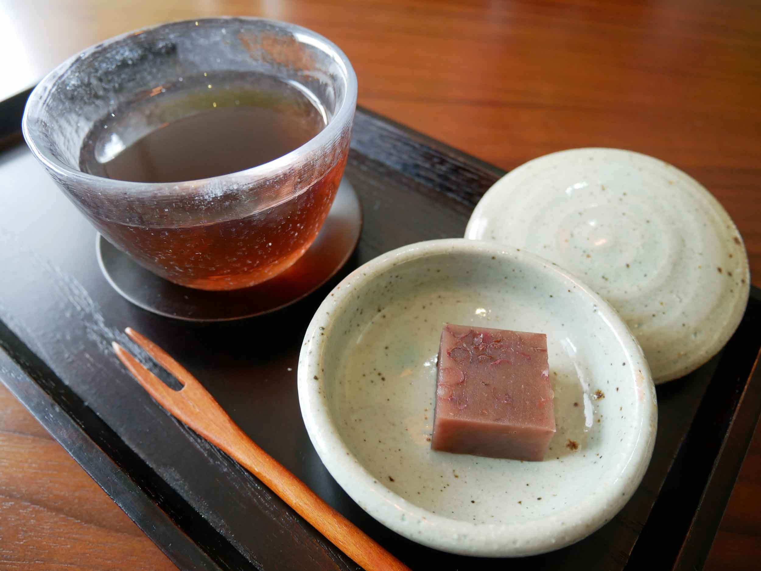 Finally, a simple dessert, or  ipgasim , of red bean jelly and toasted black bean tea.