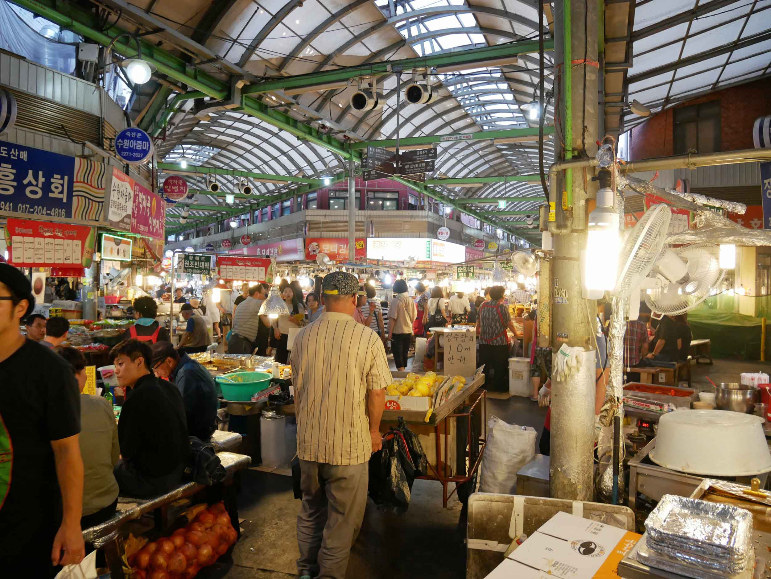 On our first evening, we made our to the famous Gwangjang Market, which was full and busy of both shoppers and diners.