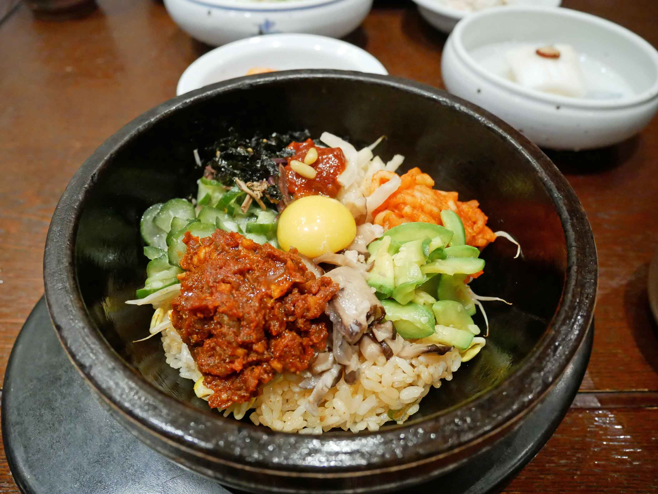 We couldn't leave Seoul without a big bowl of hot stone  bibimbop !