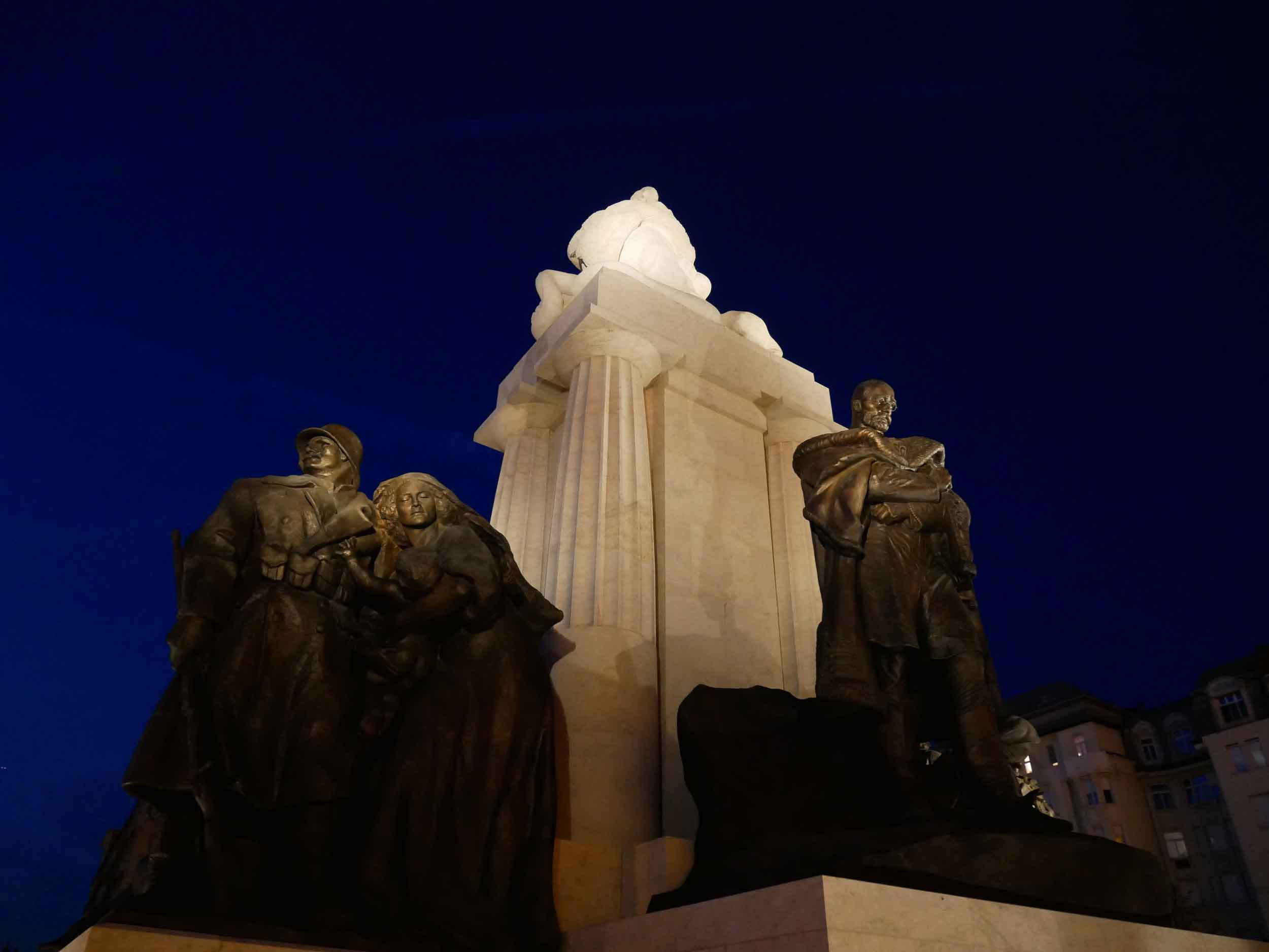 Statues surrounding the extraordinary building represent Hungarian leaders and military figures from the country's history.
