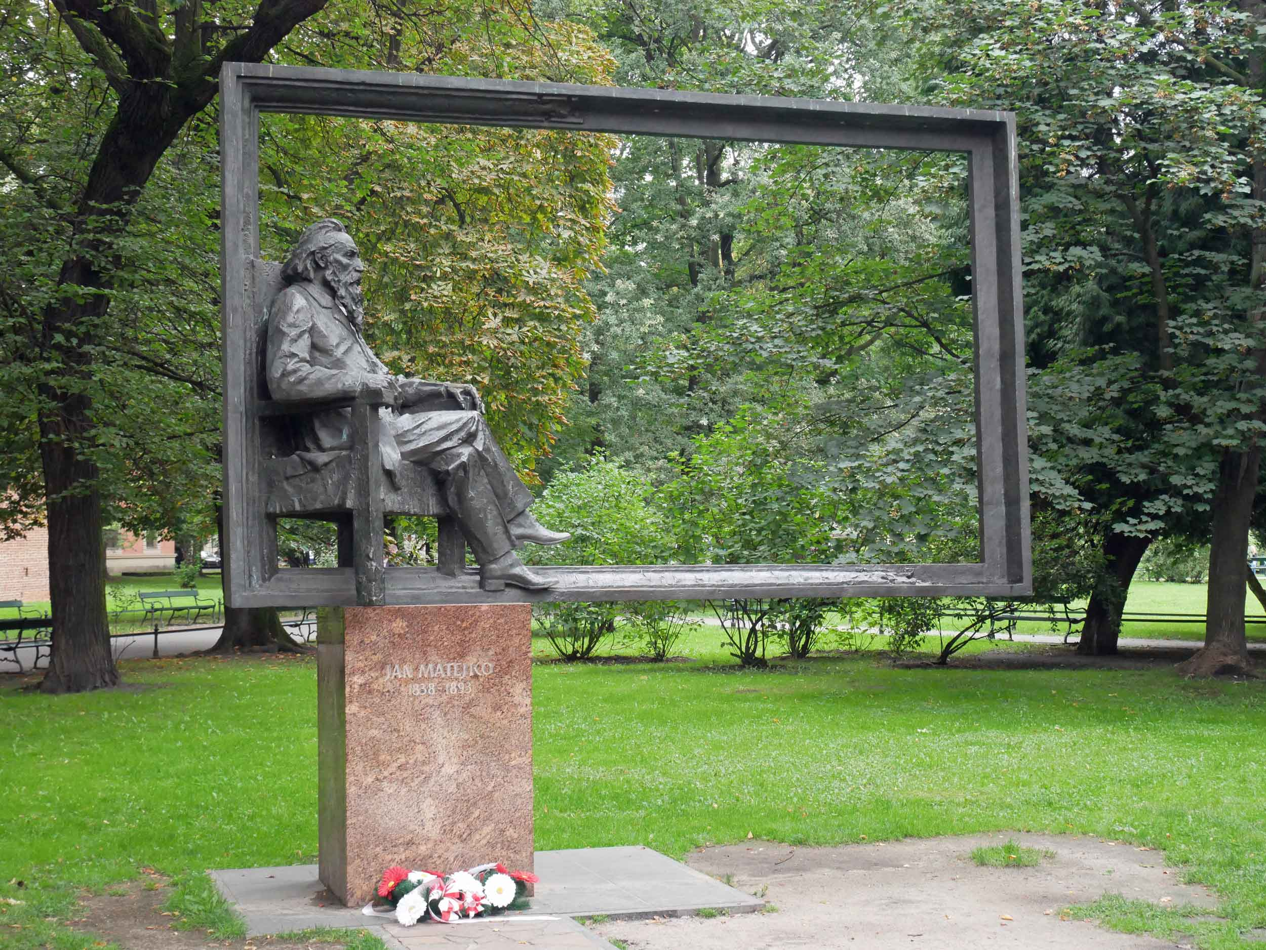 Statue of the famed polish artist Jan Matejko known best for his paintings of notable Polish political and military events.