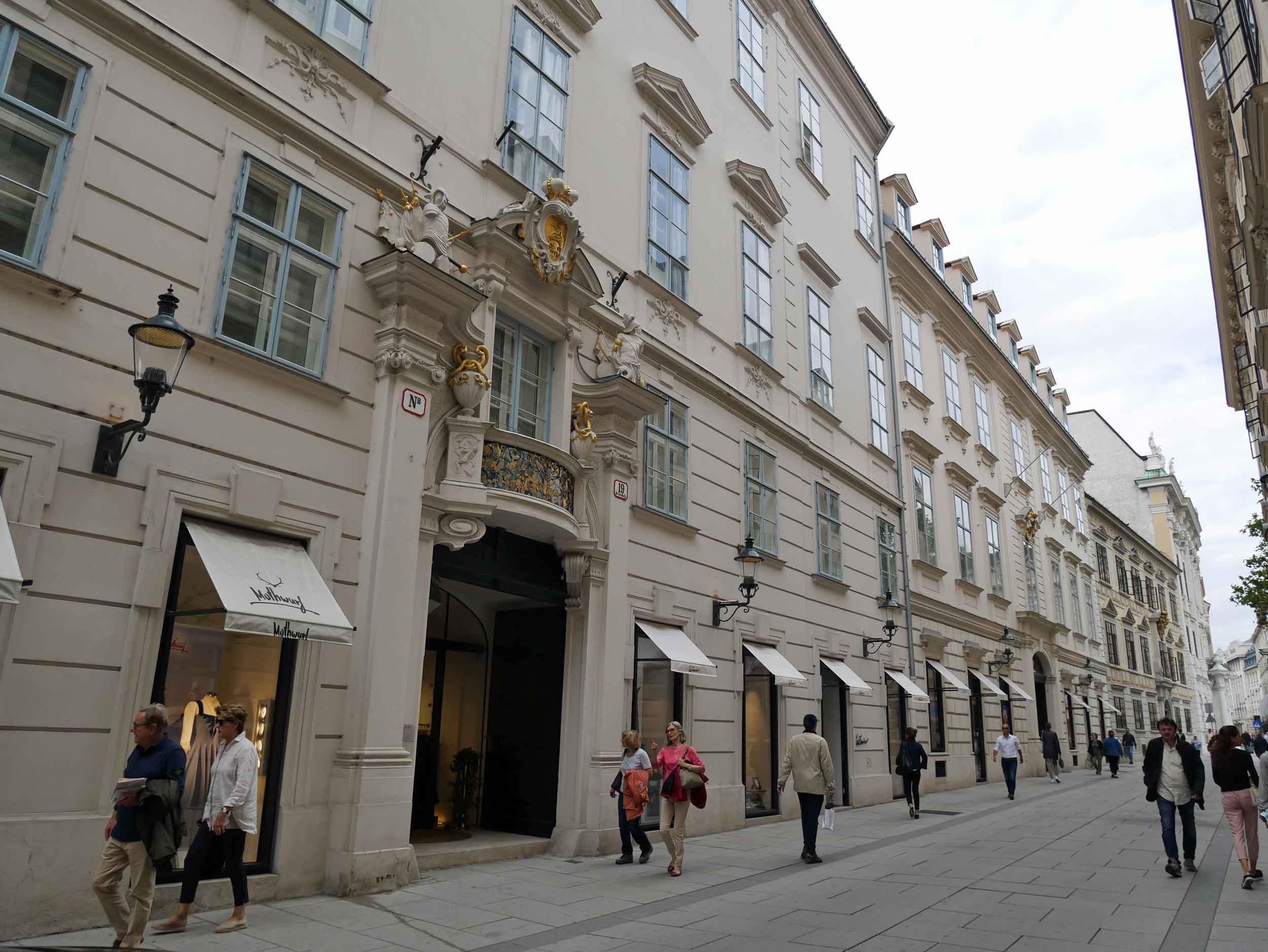 The elegant shopping district near Michaelerplatz.