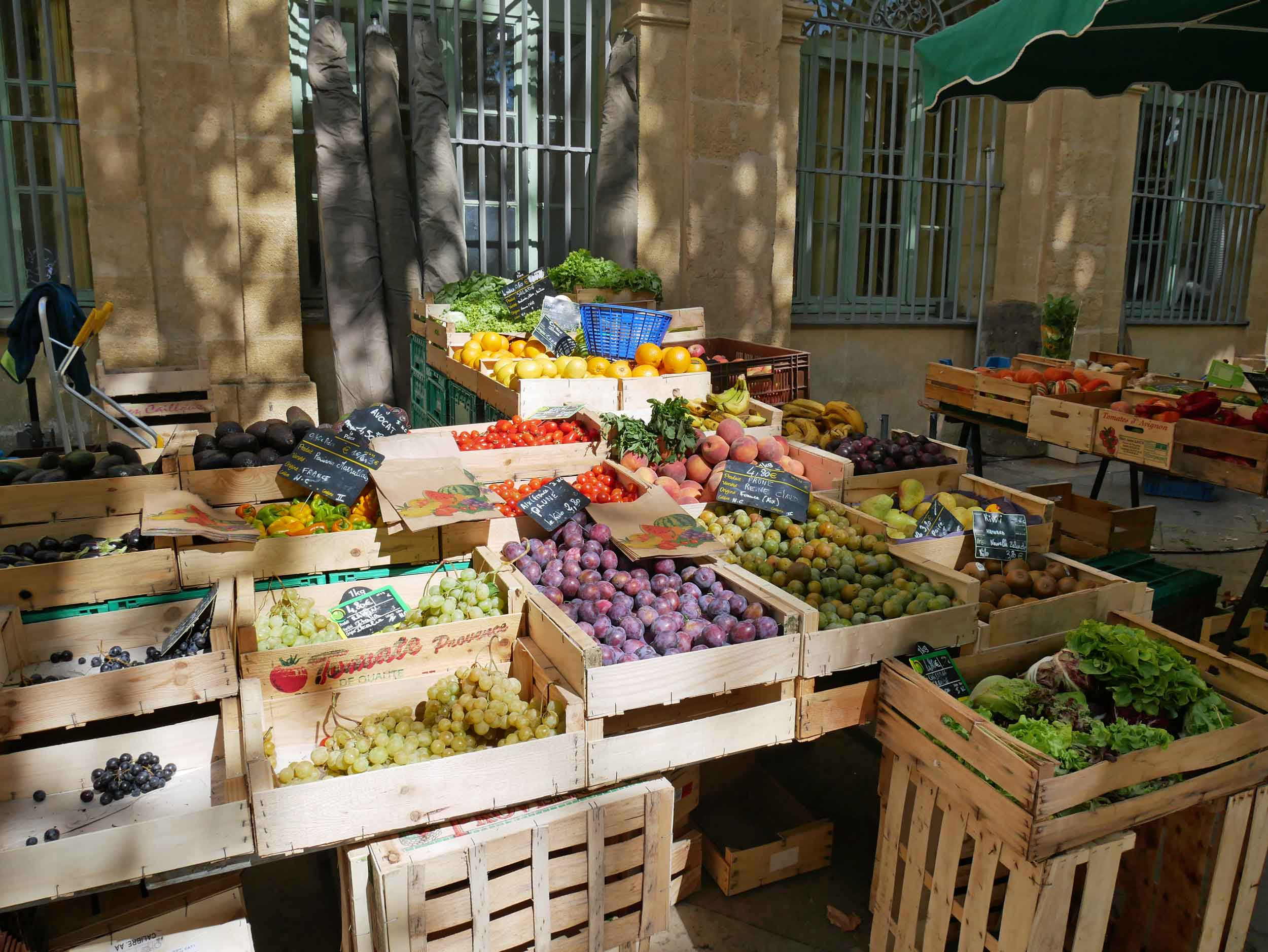 It doesn't get better than a September farmers' market in the South of France!