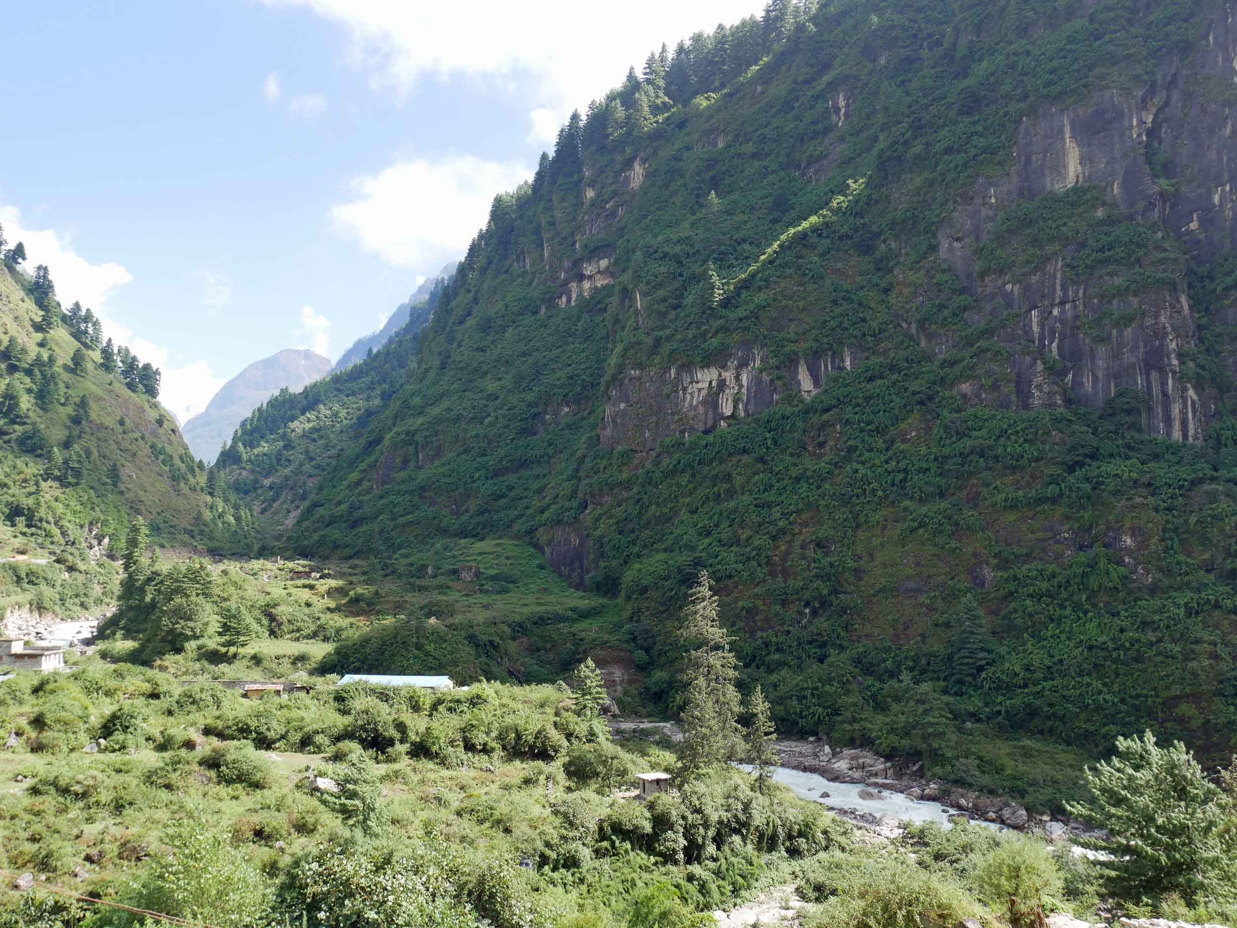 As we entered the Annapurna Conservation Area (ACA), we began our trek in the lush jungle lower-lands of the Annapurna Circuit (Oct 2).