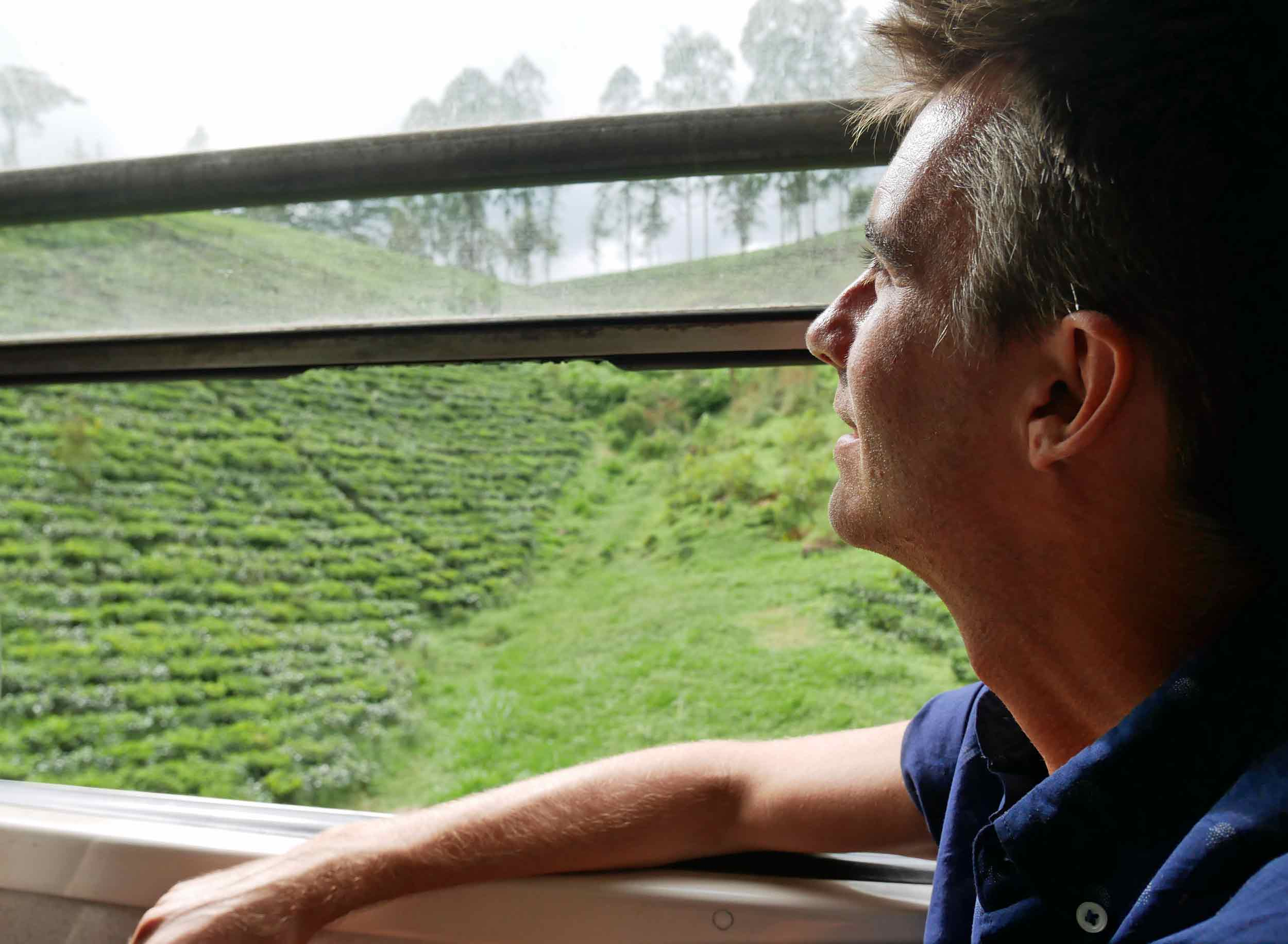 All aboard! The train journey from Kandy to Ella was truly spectacular, taking us through lush forest, tea plantations and more (Dec 15).