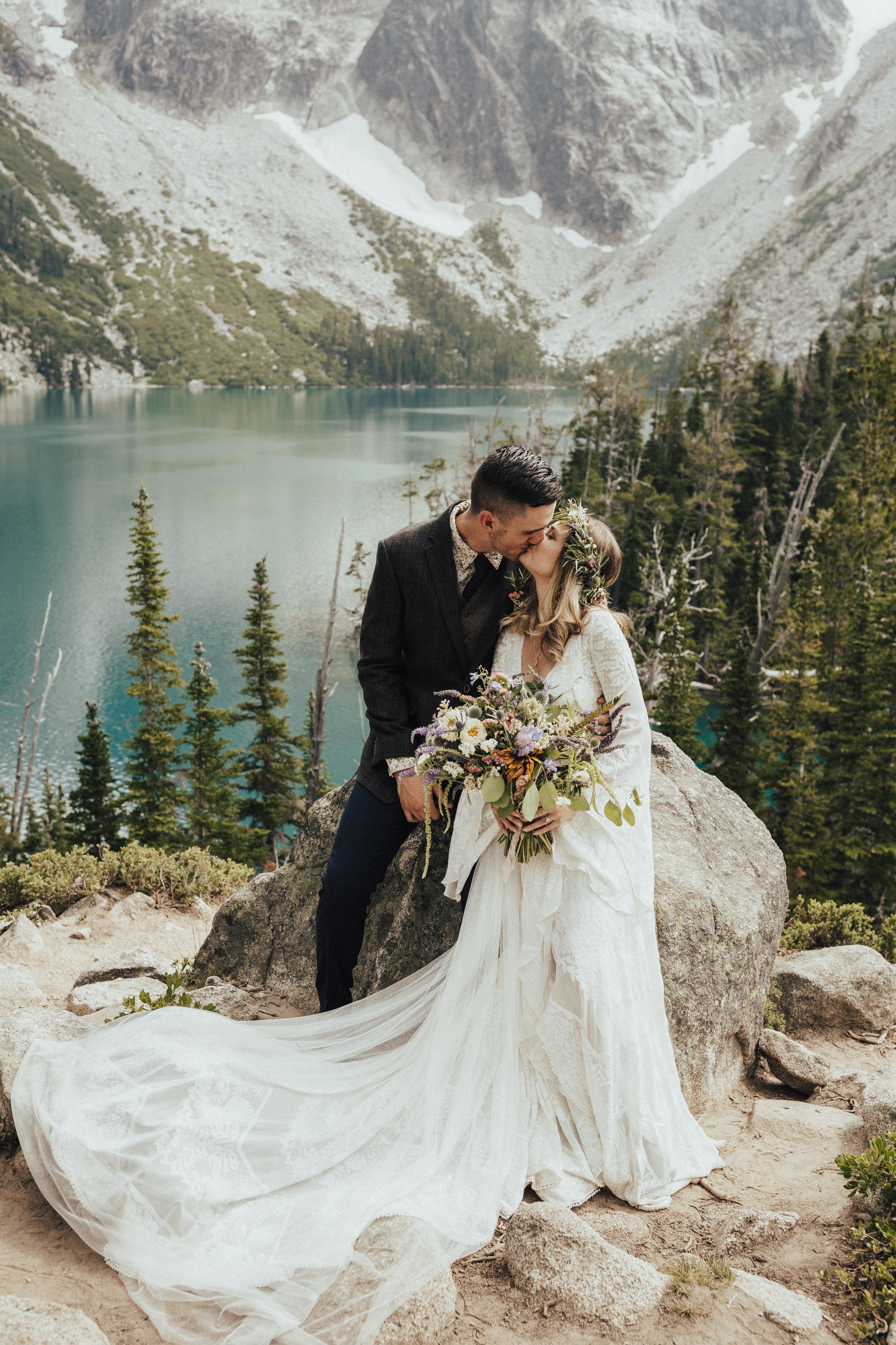 karaline_robby-colchuck-lake-elopement-washington-2018-peytoncurry-5265.jpg