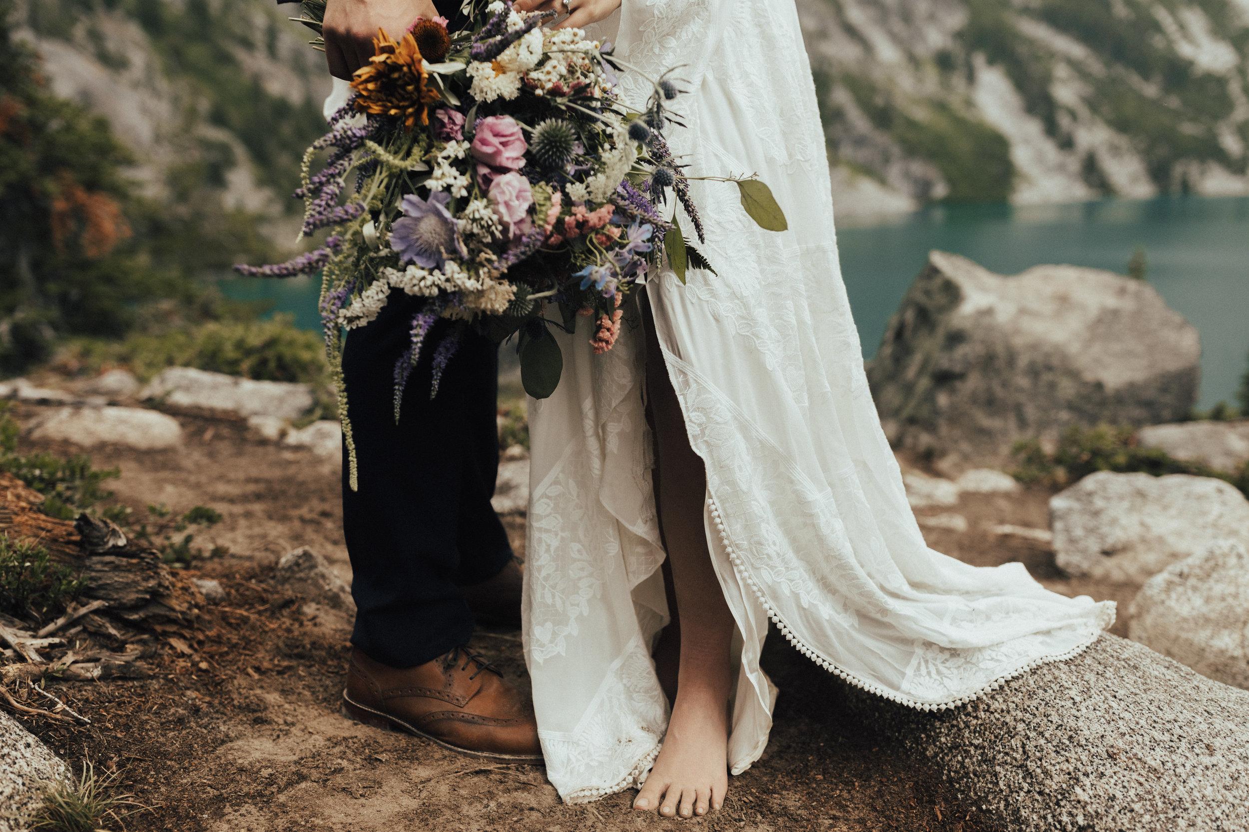 karaline_robby-colchuck-lake-elopement-washington-2018-peytoncurry-5284.jpg
