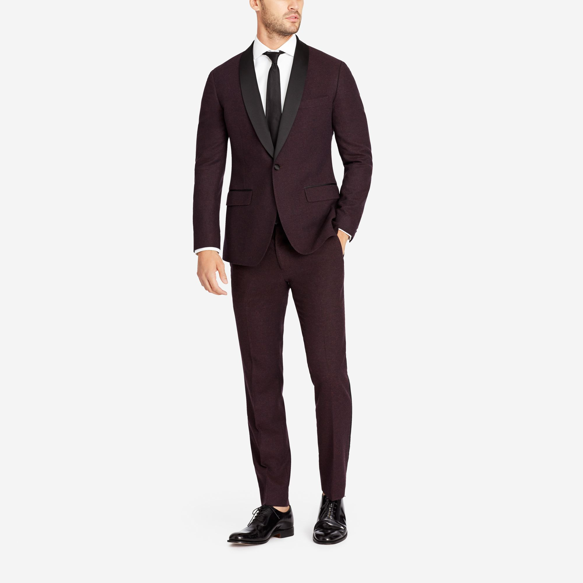 Fall/Winter Suiting  The temperatures have dropped, your sense of style shouldn't. Suit up in classic, perfectly tailored looks in heavier, world-class fabrics and seasonal patterns. - © Bonobos