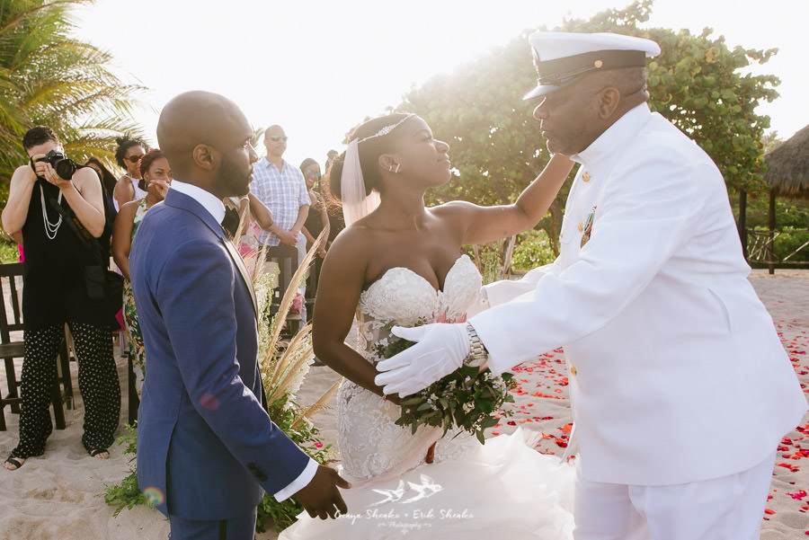 black-destination-bride-blackdesti-destination-off-resort-wedding-at-blue-venado-beach-club-30.jpg