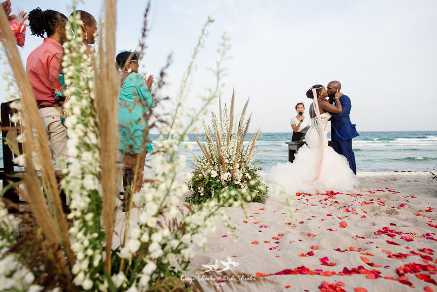 black-destination-bride-blackdesti-destination-off-resort-wedding-at-blue-venado-beach-club-44.jpg