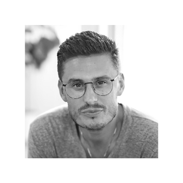 CHAD VEACH - ZOE CHURCHLOS ANGELES, CATwitter | Instagram