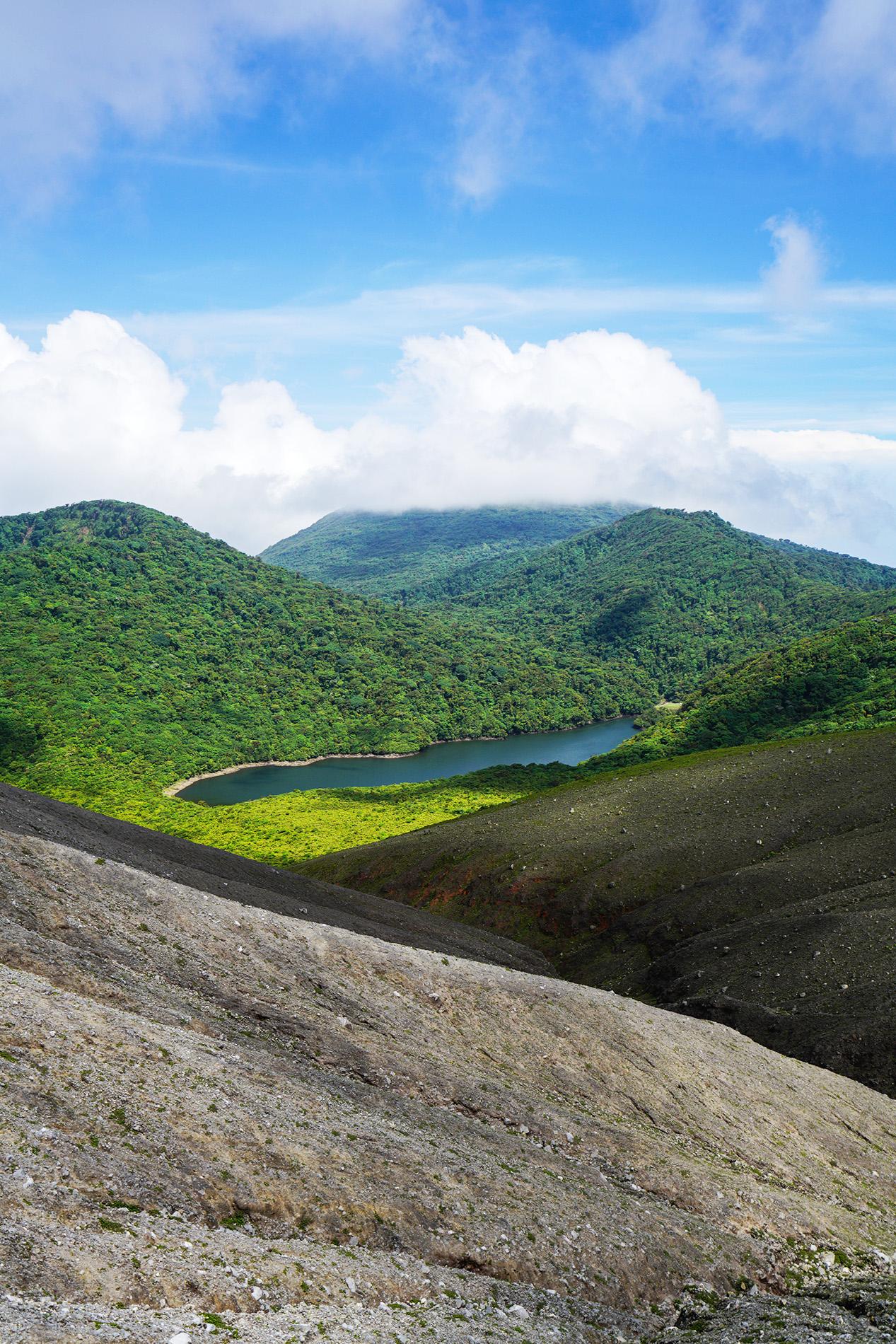 Desierto Volcánico con Laguna Jilegueros. Archivo previo a cierre de parque